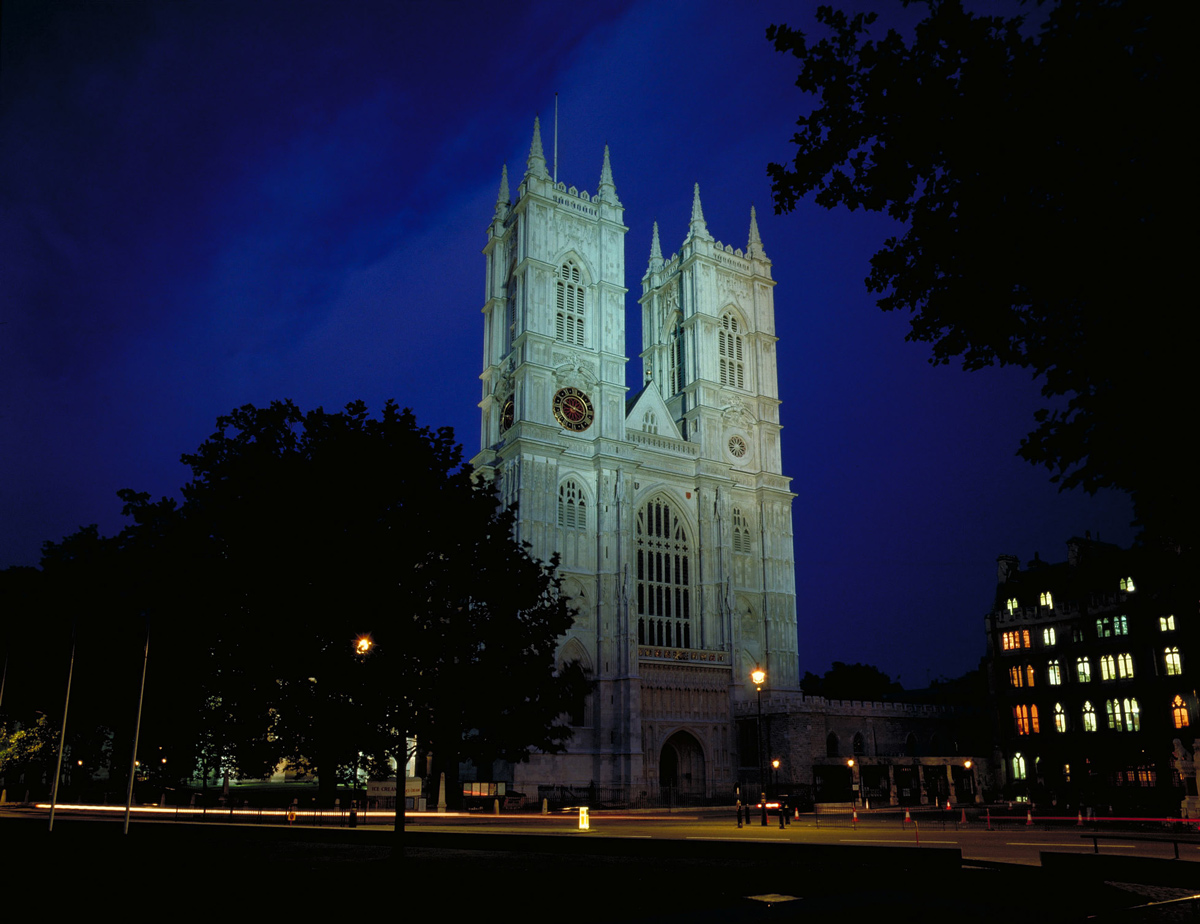 Scorcio di Westminster Abbey a Londra by night