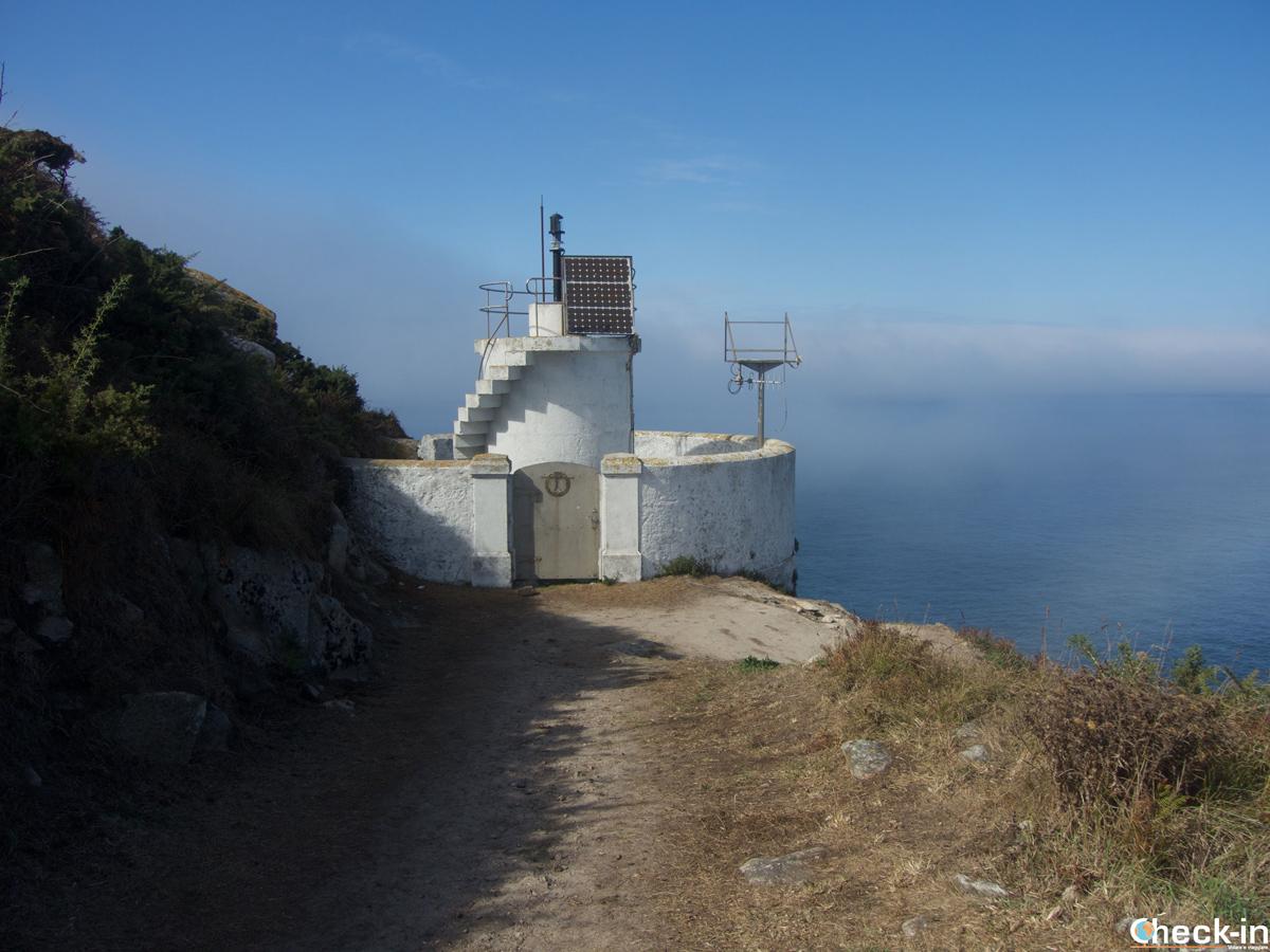 Il Faro do Peito nelle isole Cíes a Vigo - Galizia, Spagna
