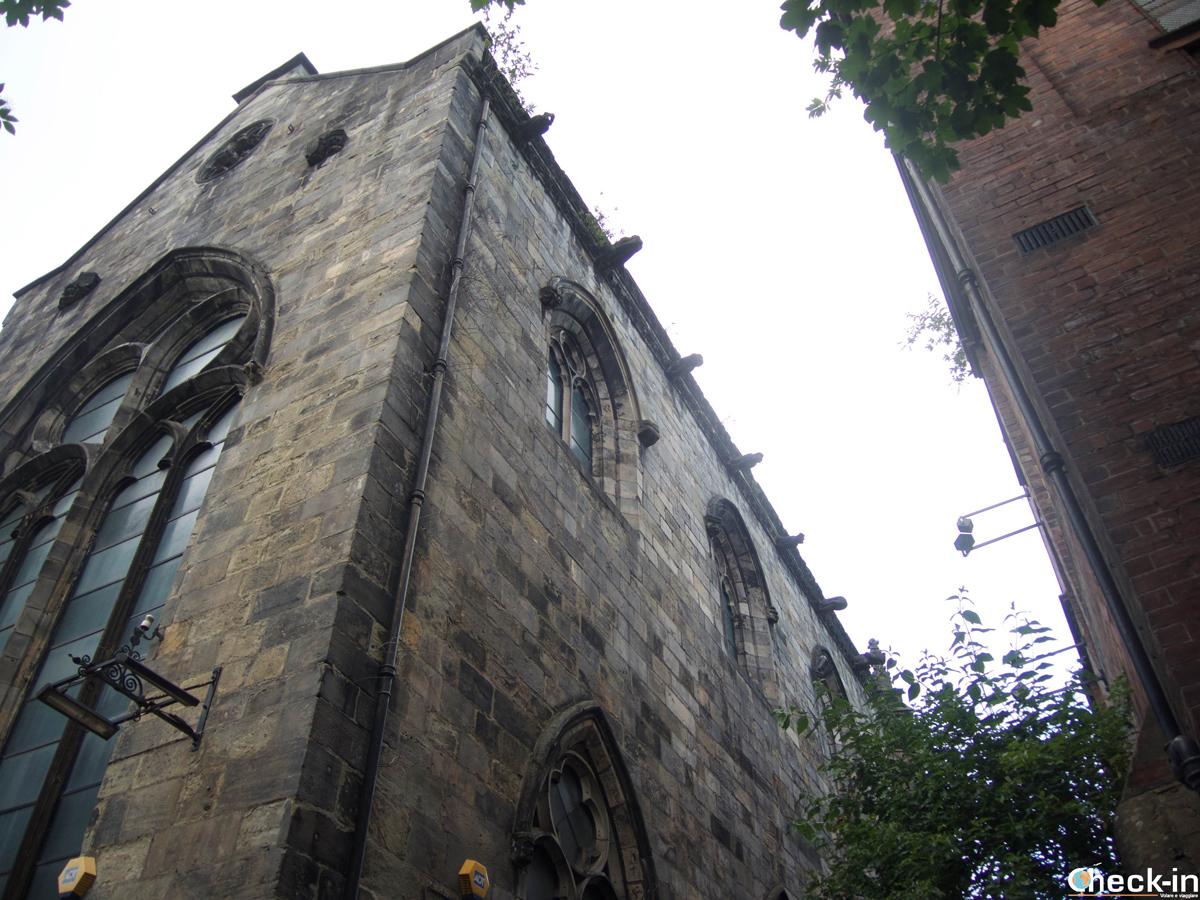 I resti della Trinity Apse a Edimburgo a pochi passi dal Royal Mile