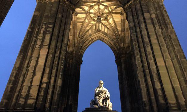 I 9 libri storici e fantasy da non perdere per il prossimo viaggio in Scozia