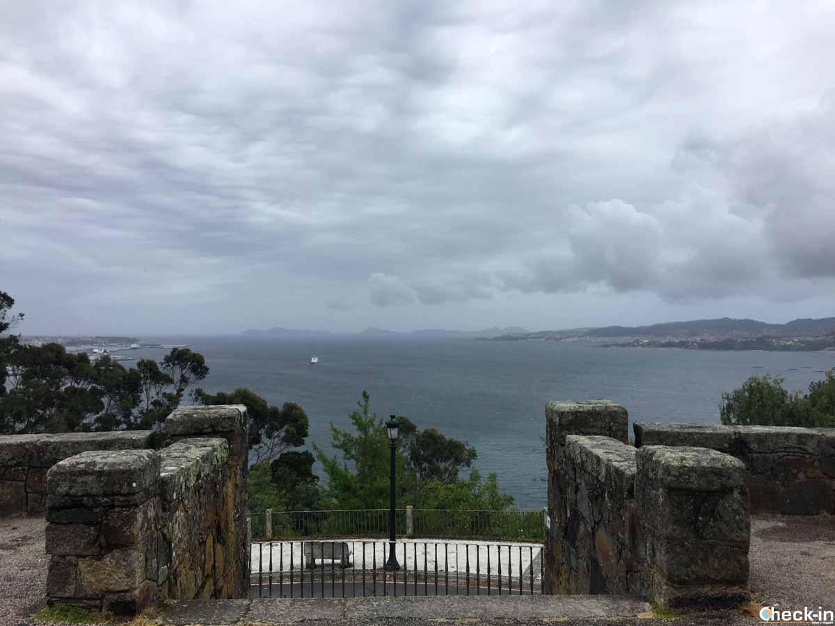 Panorama sulla Ría di Vigo dal monte A Guía