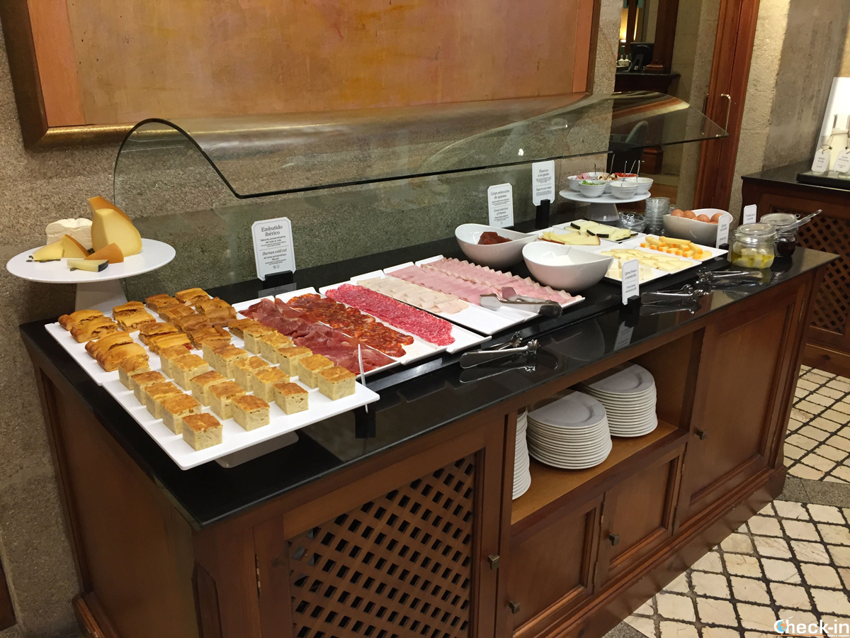 Desayuno con buffet salado al Hotel NH Collection de Vigo, España