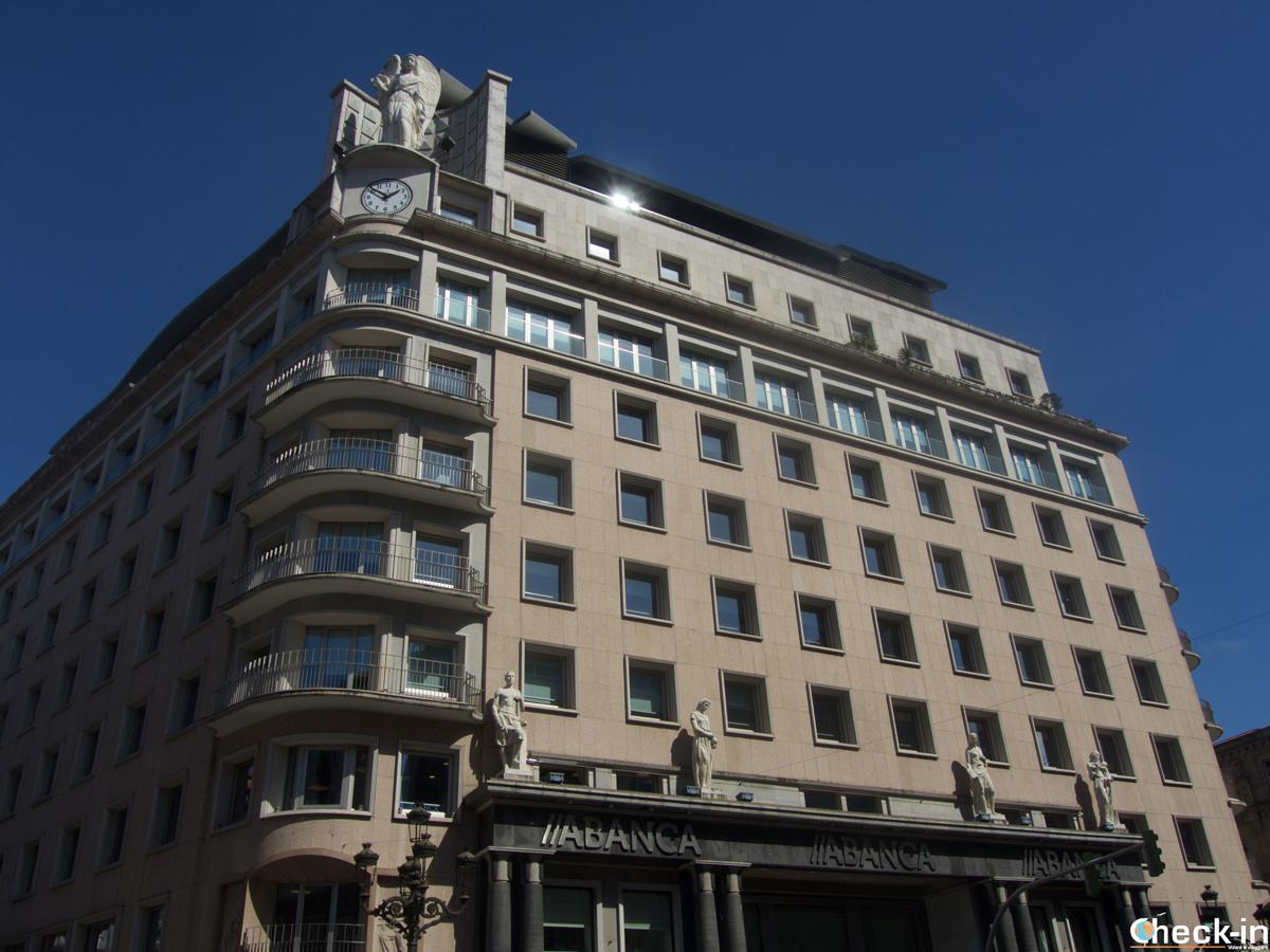 Edificio A Banca en rúa García Barbón en Vigo - Galicia, España