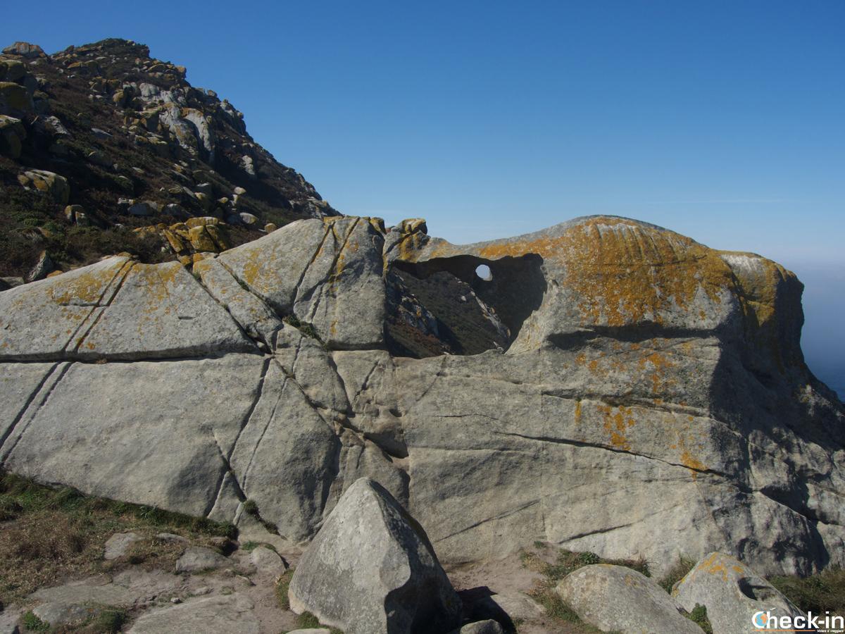 Pedra da Campá en el Monte Faro - Islas Cíes, Galicia (España)