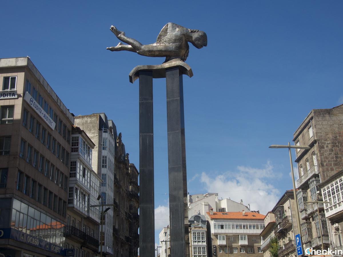 Estatua del Sireno en la Puerta del Sol a Vigo - Galicia, España