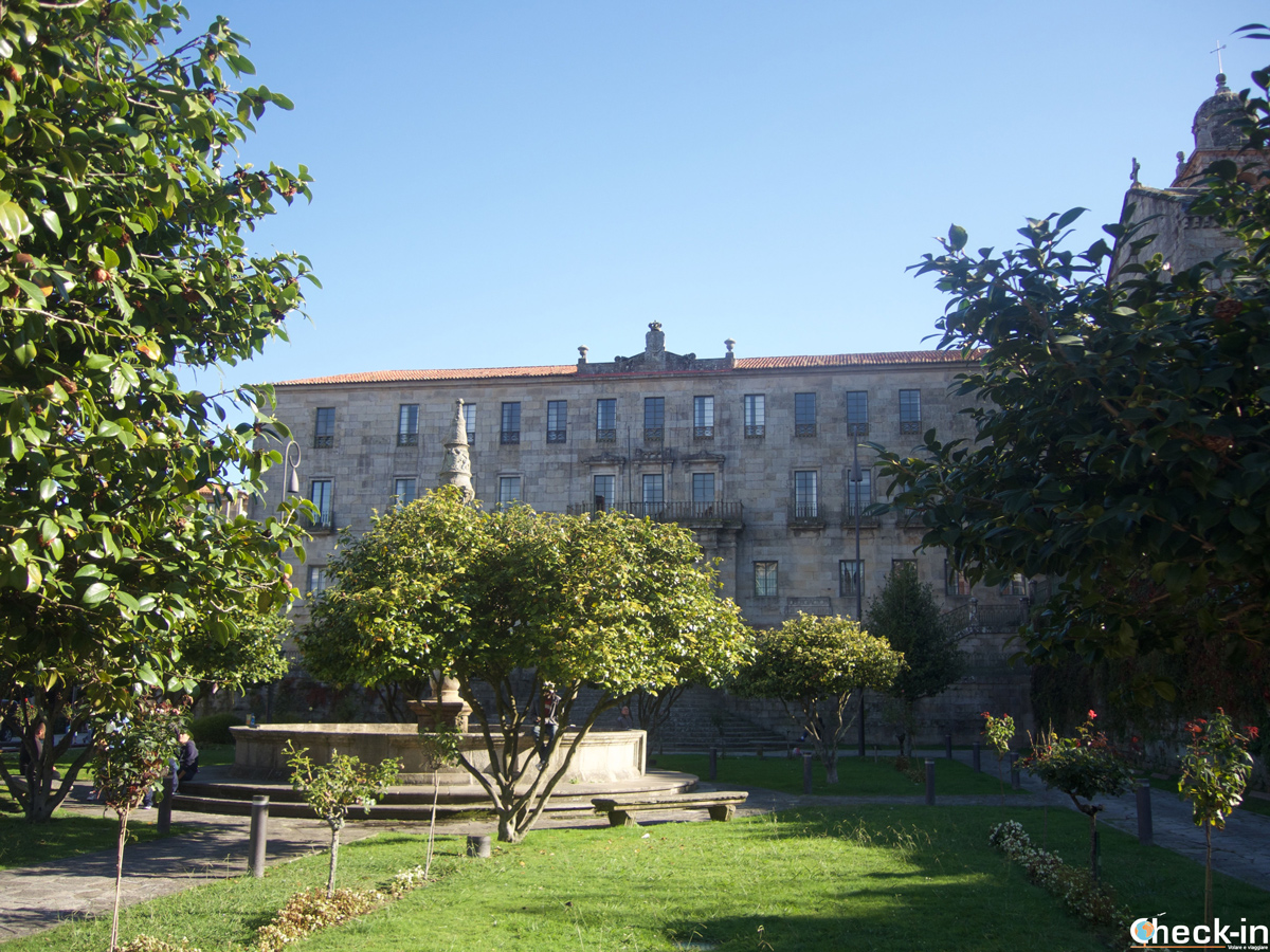 Vistazo de los jardines de Praza de a Ferrería en Pontevedra