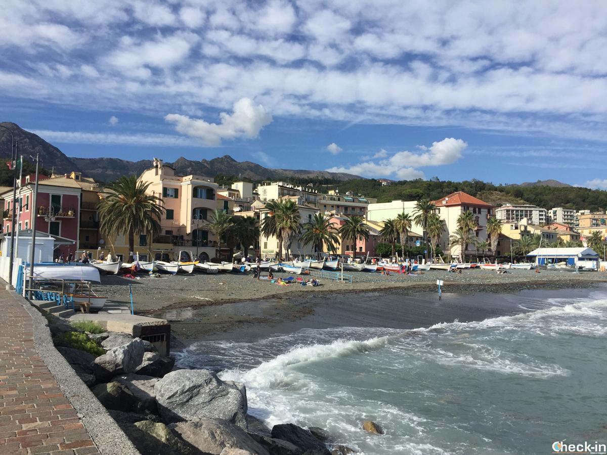 Spiaggia dei Pescatori a Cogoleto - Riviera ligure di Ponente