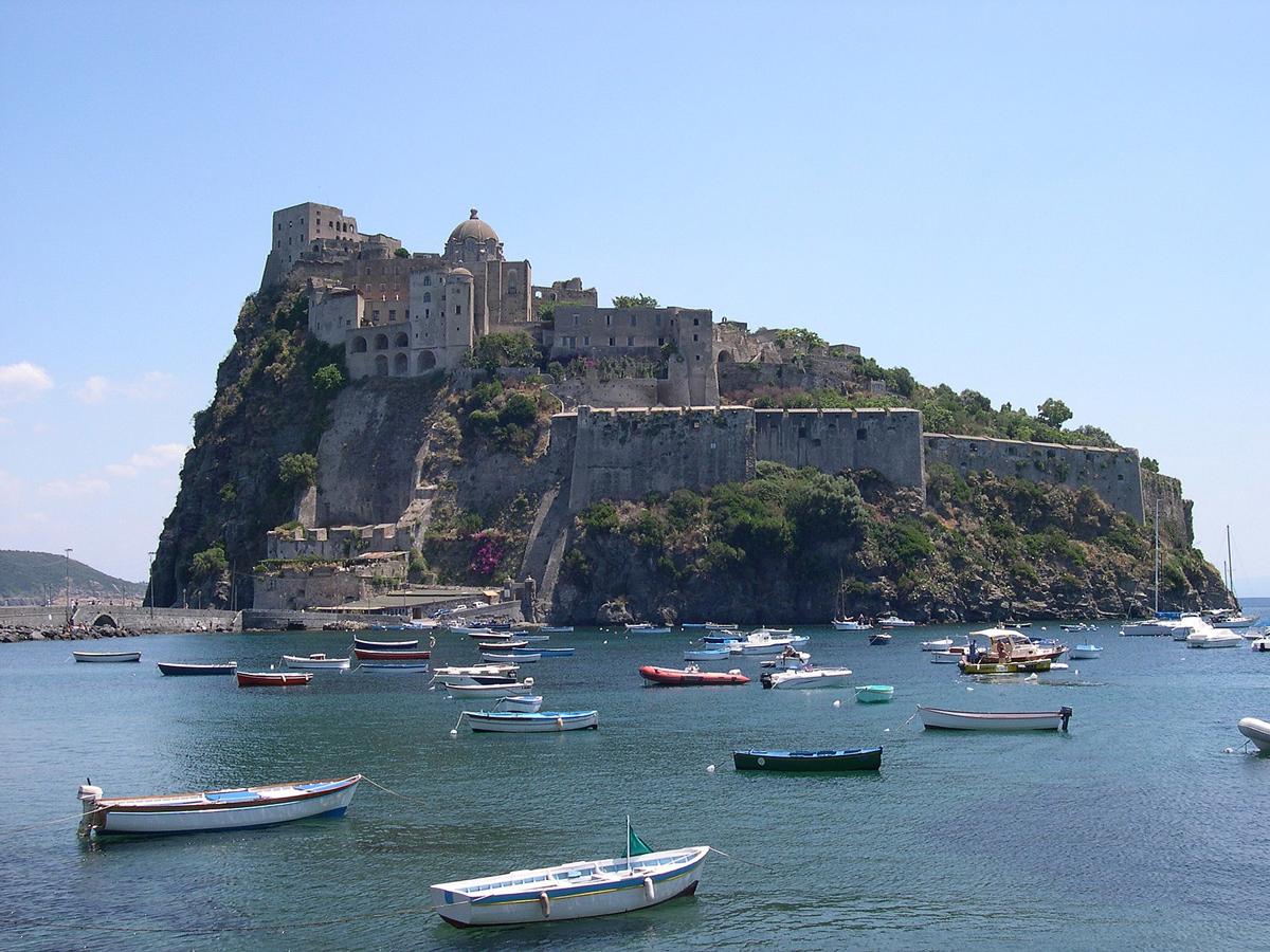 Il Castello Aragonese sull'isola di Ischia