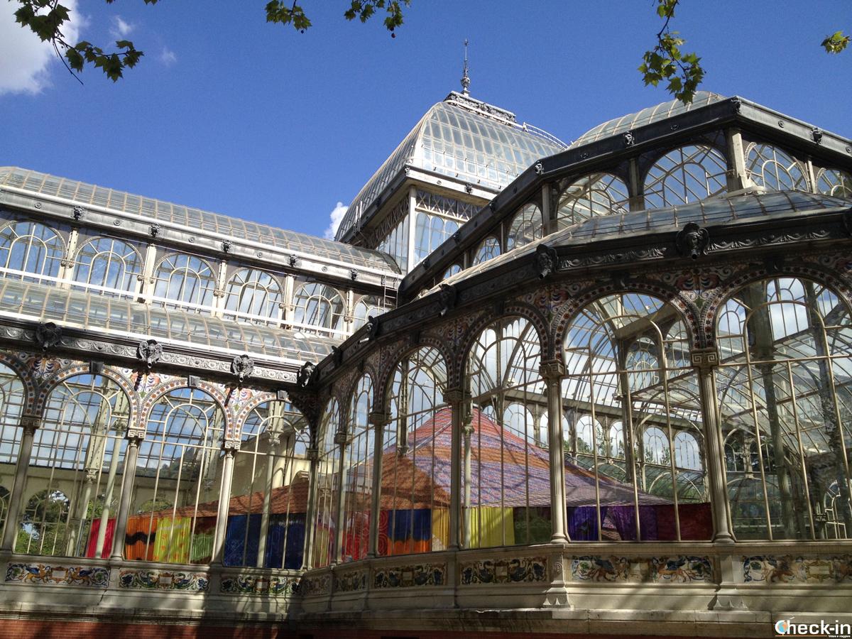 Palacio de Cristal nel Parco del Retiro, sede di mostre temporanee del museo Reina Sofía di Madrid
