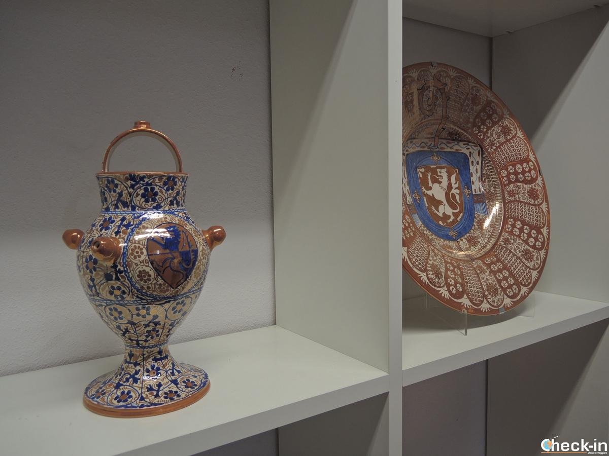 I capolavori prodotti da Arturo Mora nel suo studio di Manises - Provincia di Valencia, Spagna