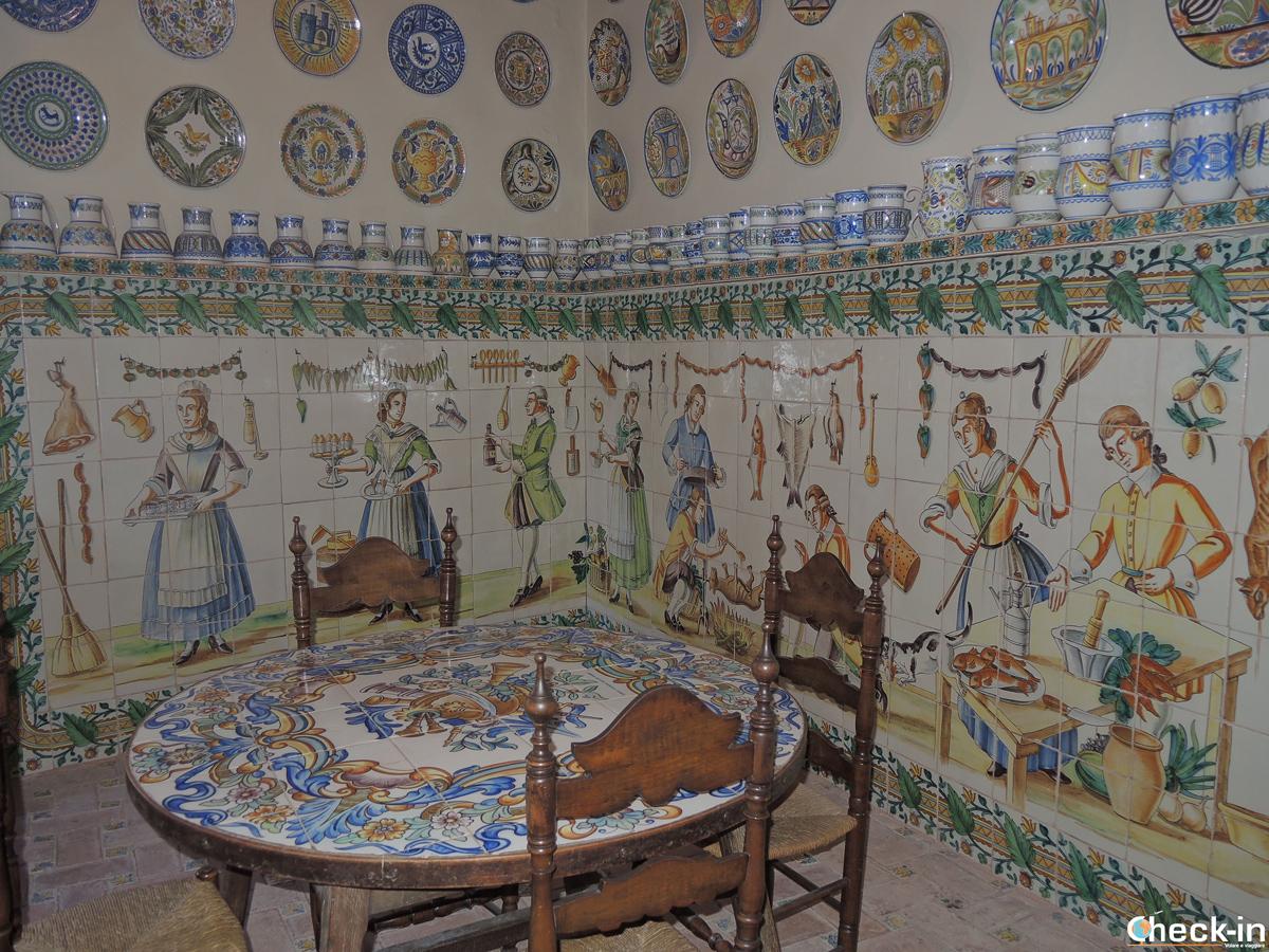 Una delle sale più belle della Cerámica Valenciana José Gimeno Martínez a Manises