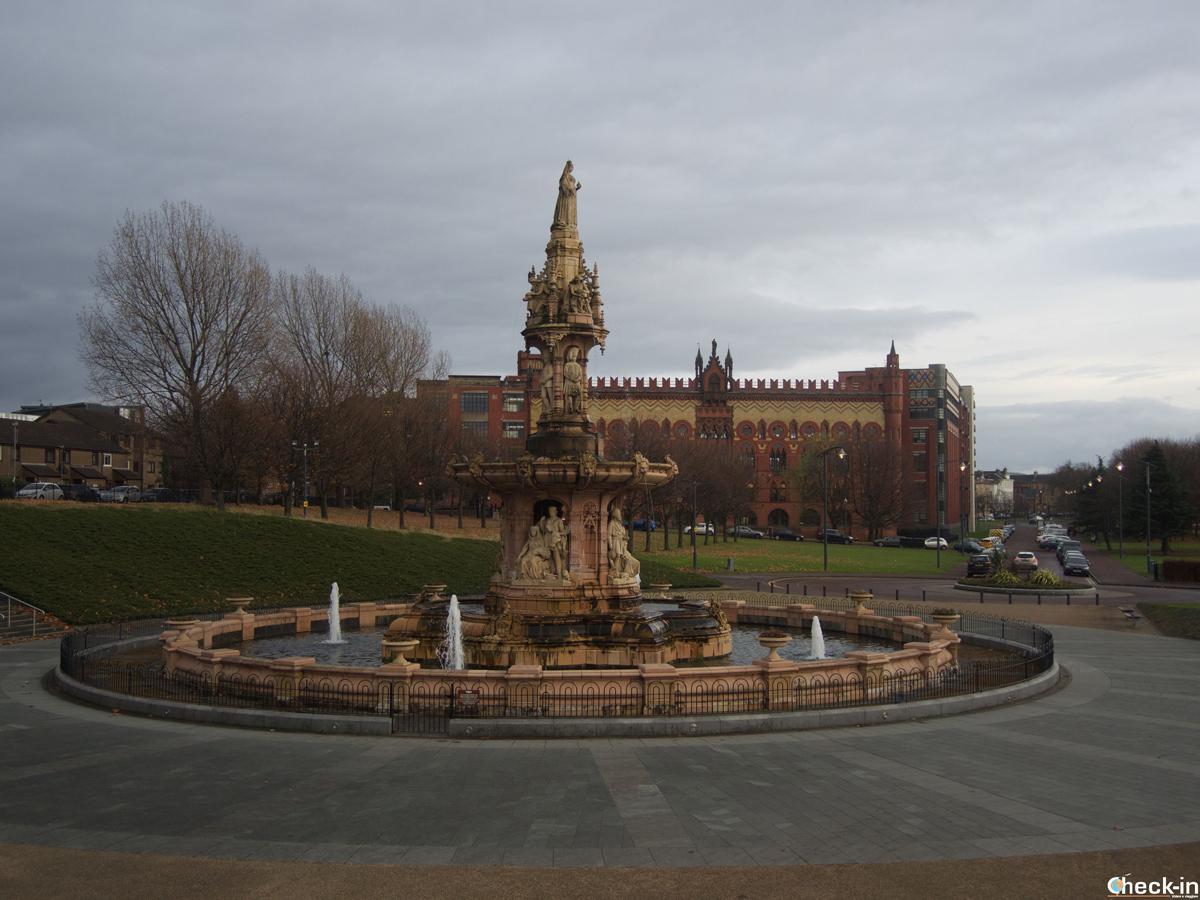 La Doulton Fountain di Glasgow (Scozia)