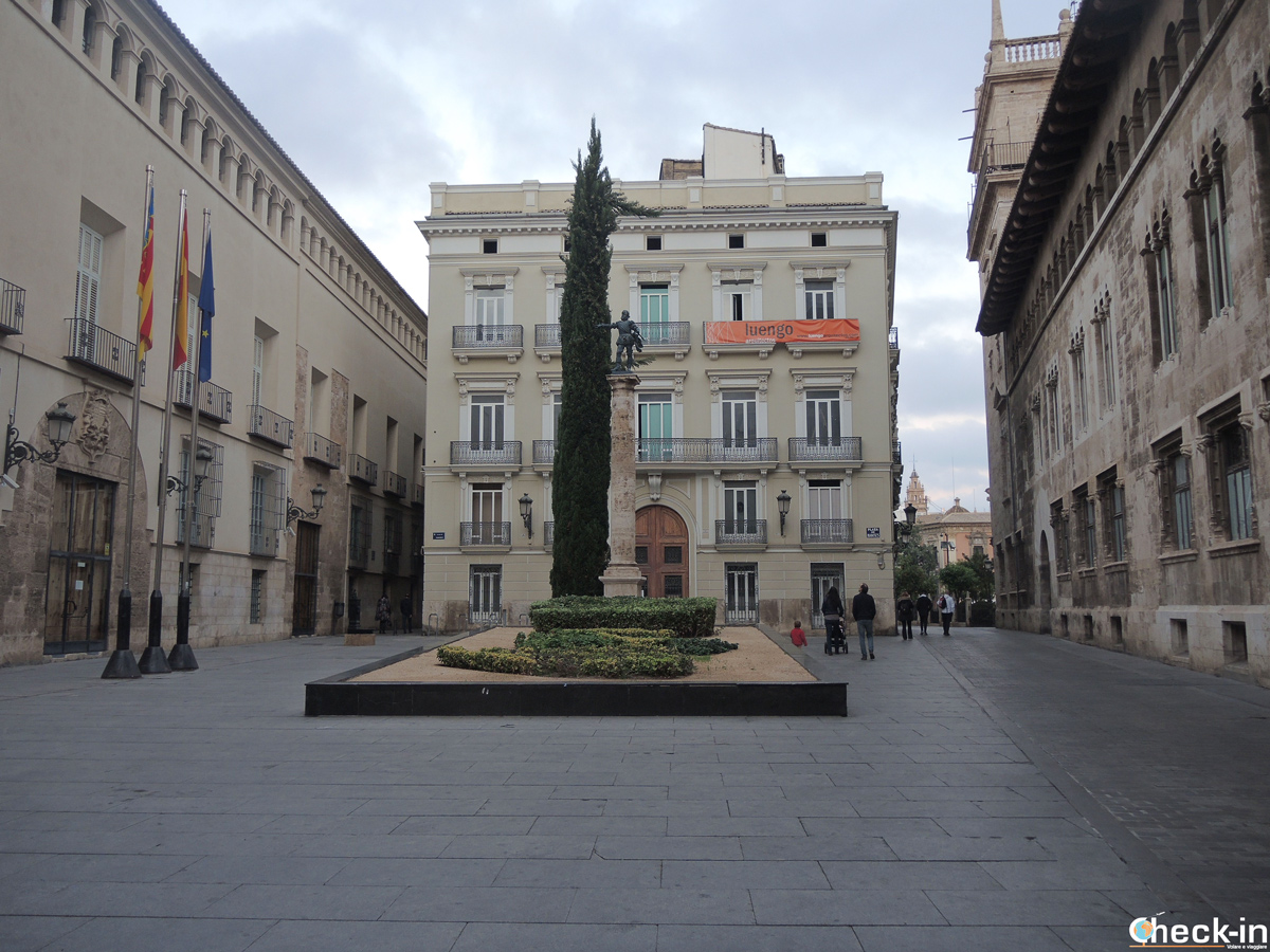 Plaza Manises nel nucleo medievale di Valencia