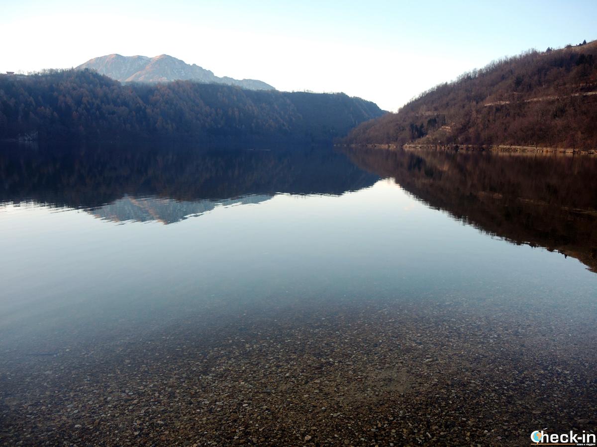 Le ultime sfumature autunalli attorno al lago di Levico Terme