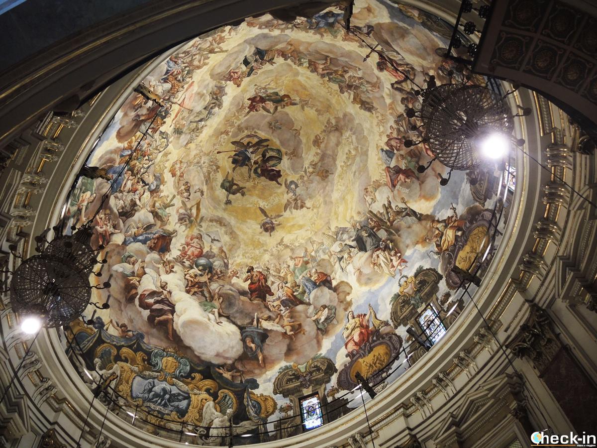 Cupola della Basílica de la Virgen de los Desamparados di Valencia (Spagna)