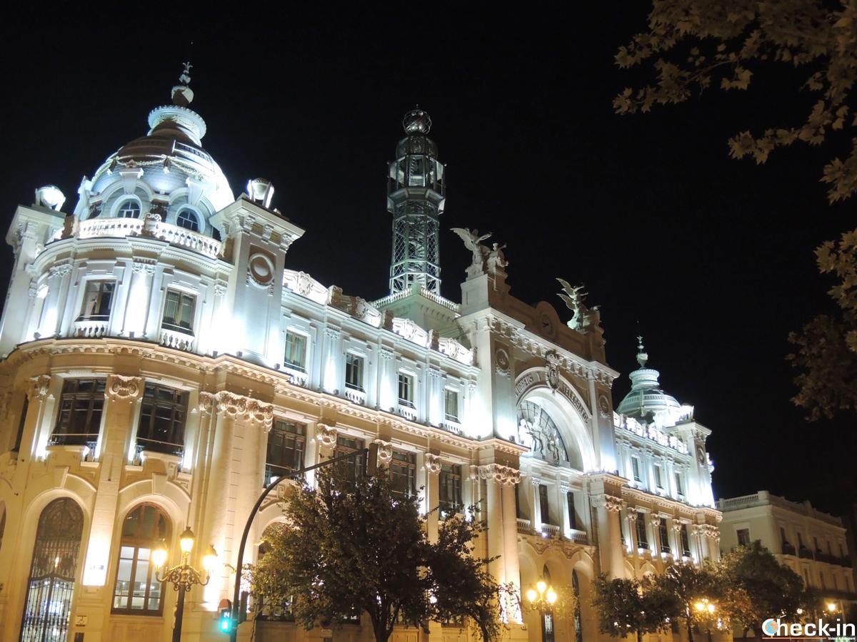 Il Palazzo delle Poste di Valencia in Plaza del Ayuntamiento