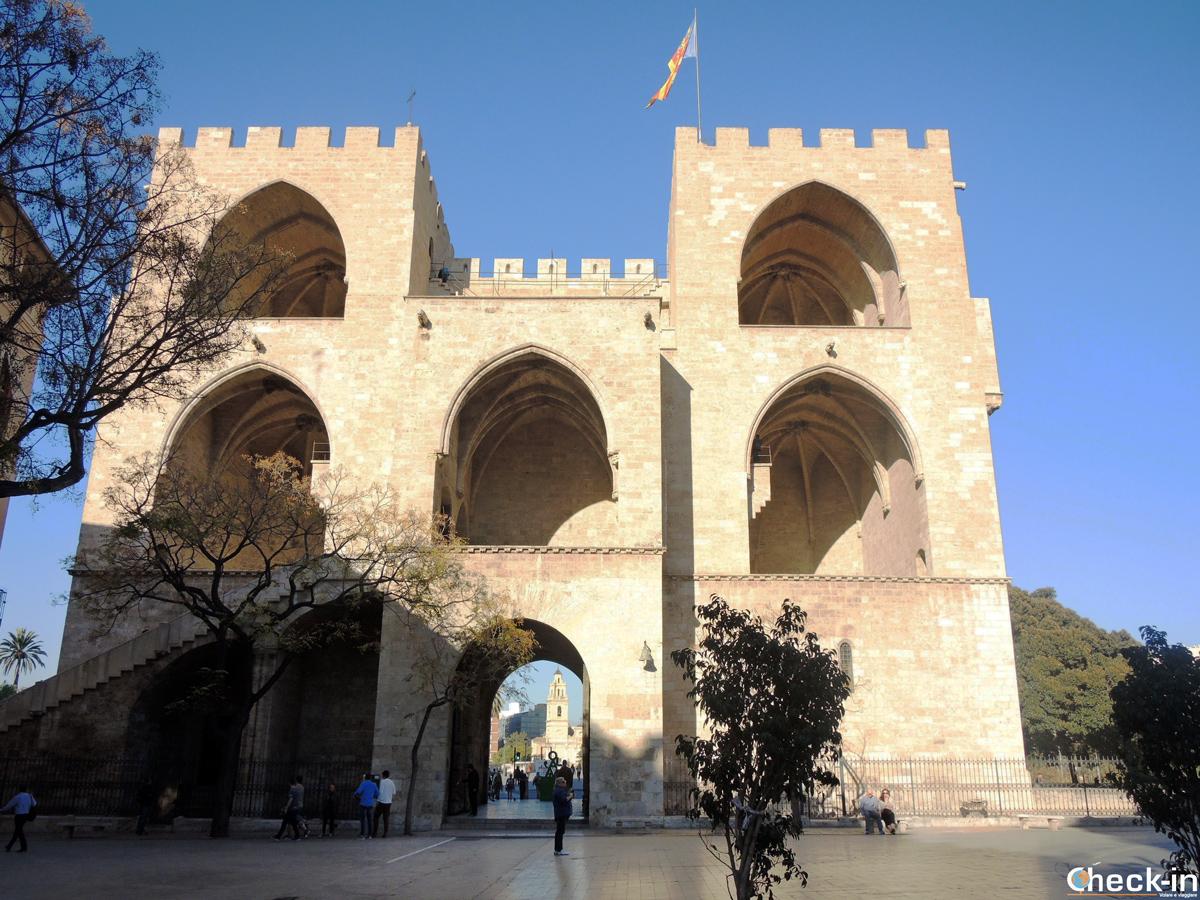 Cosa vedere a Valencia in un giorno: le torri di Serranos