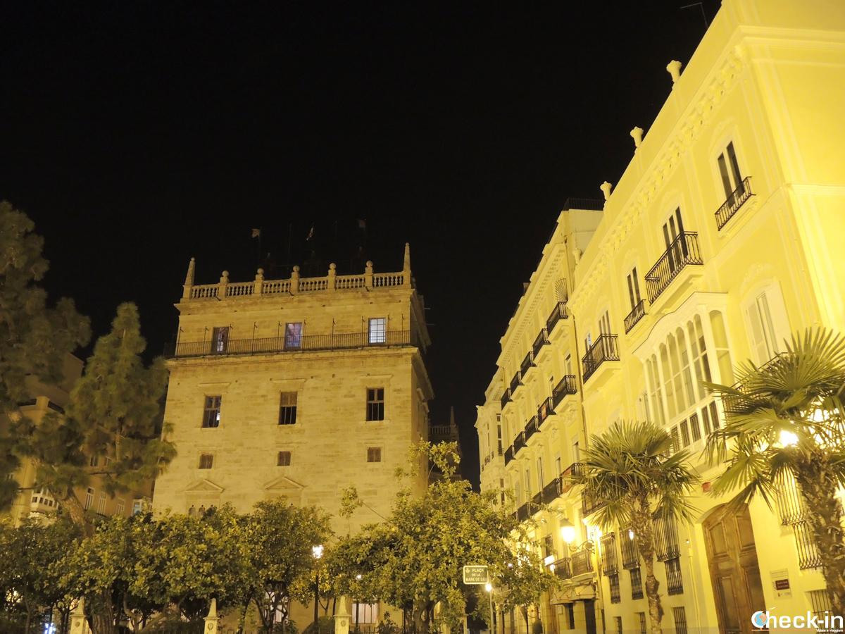 Cosa vedere in un giorno a Valencia: a piedi per il suo centro storico by night
