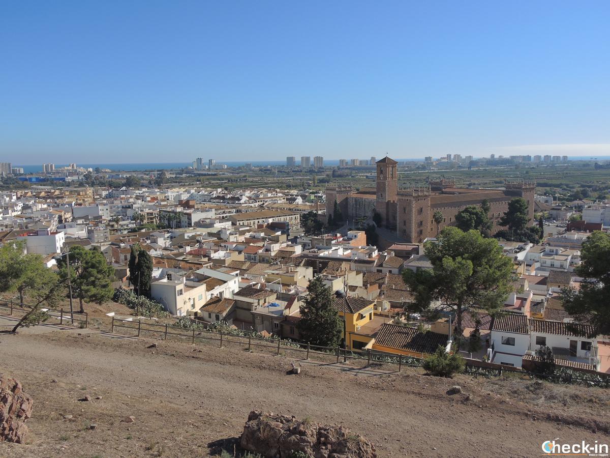 Vista panoramica di El Puig dalla collina del Castello di Jaume I