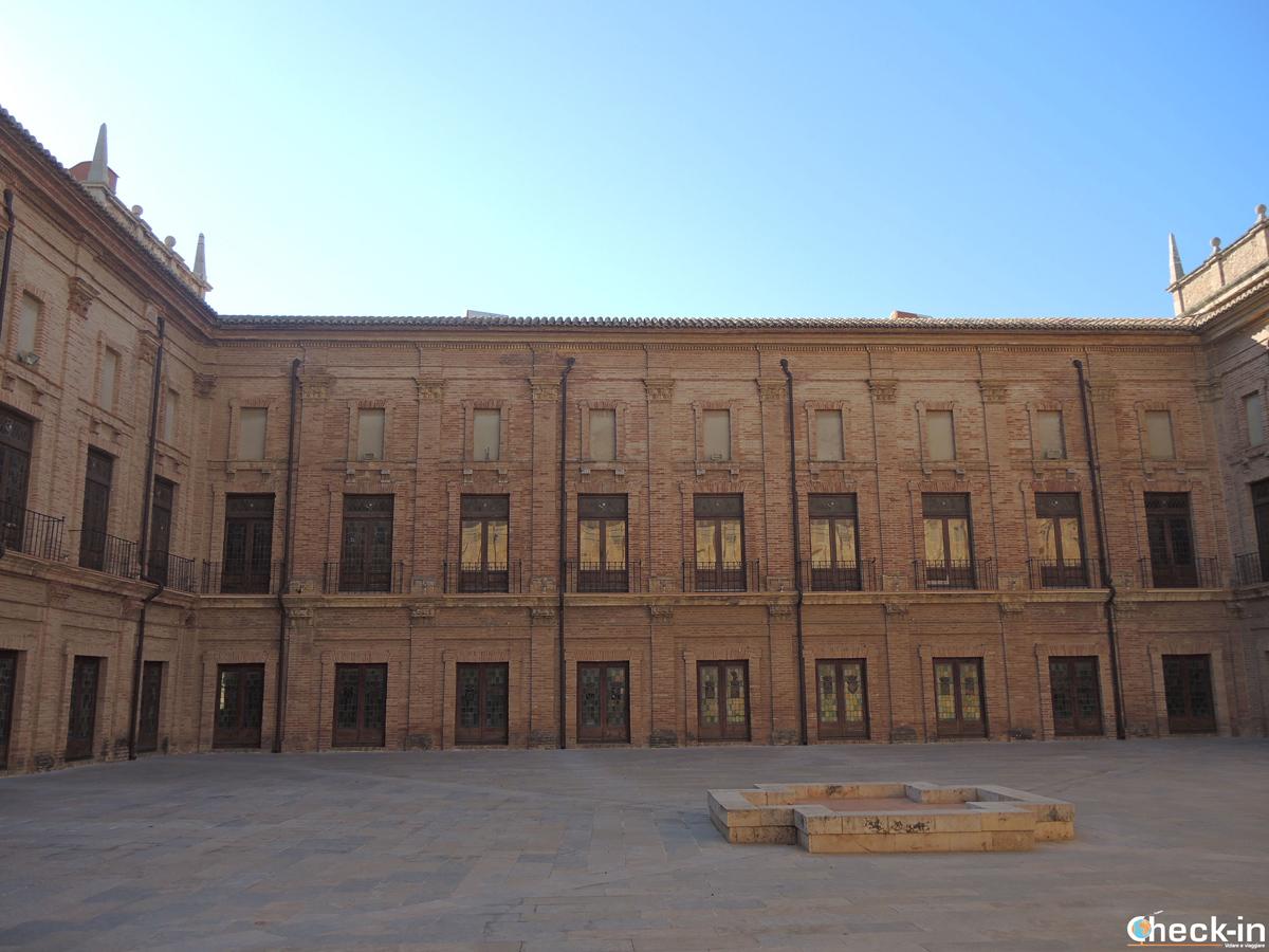 Il patio del Monasterio di S. María a El Puig - Valencia, Spagna