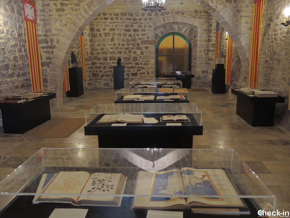 La sala dei manoscritti nel Real Monasterio di Santa María del Puig a Valencia, Spagna