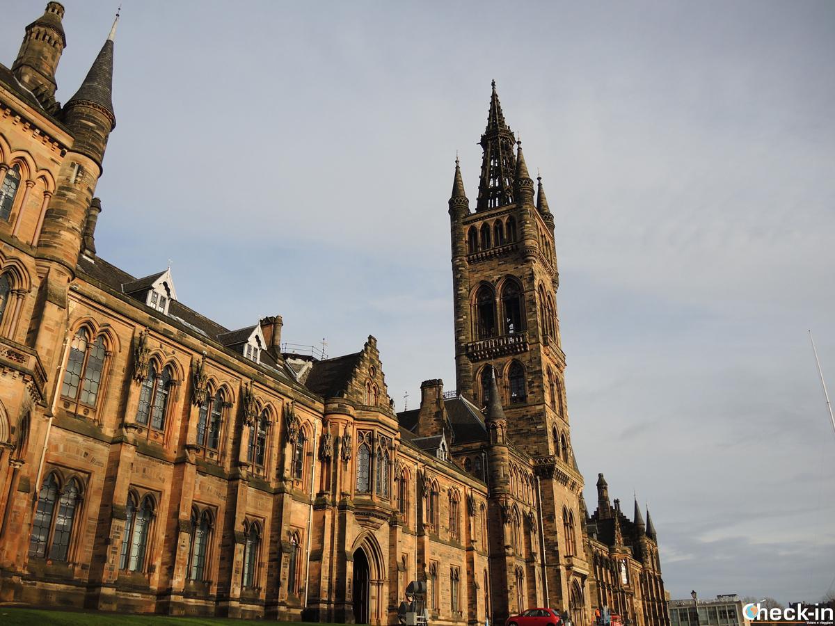 L'ingresso dell'Università di Glasgow (Scozia)
