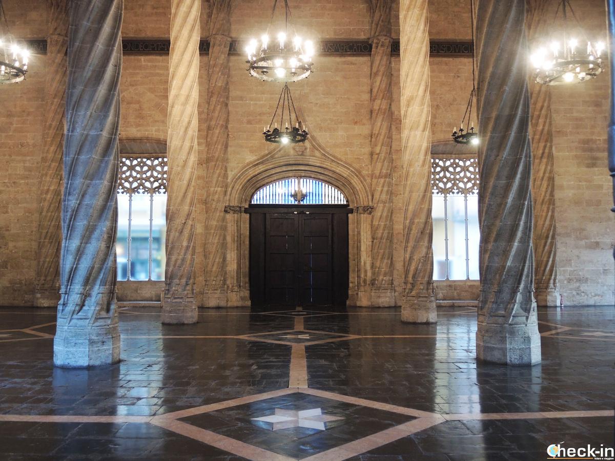 Visita del Palazzo della Lonja de la Seda di Valencia, dichiarato Patrimonio Unesco dell'Umanità (attrazione gratuita con la VLC Tourist Card)
