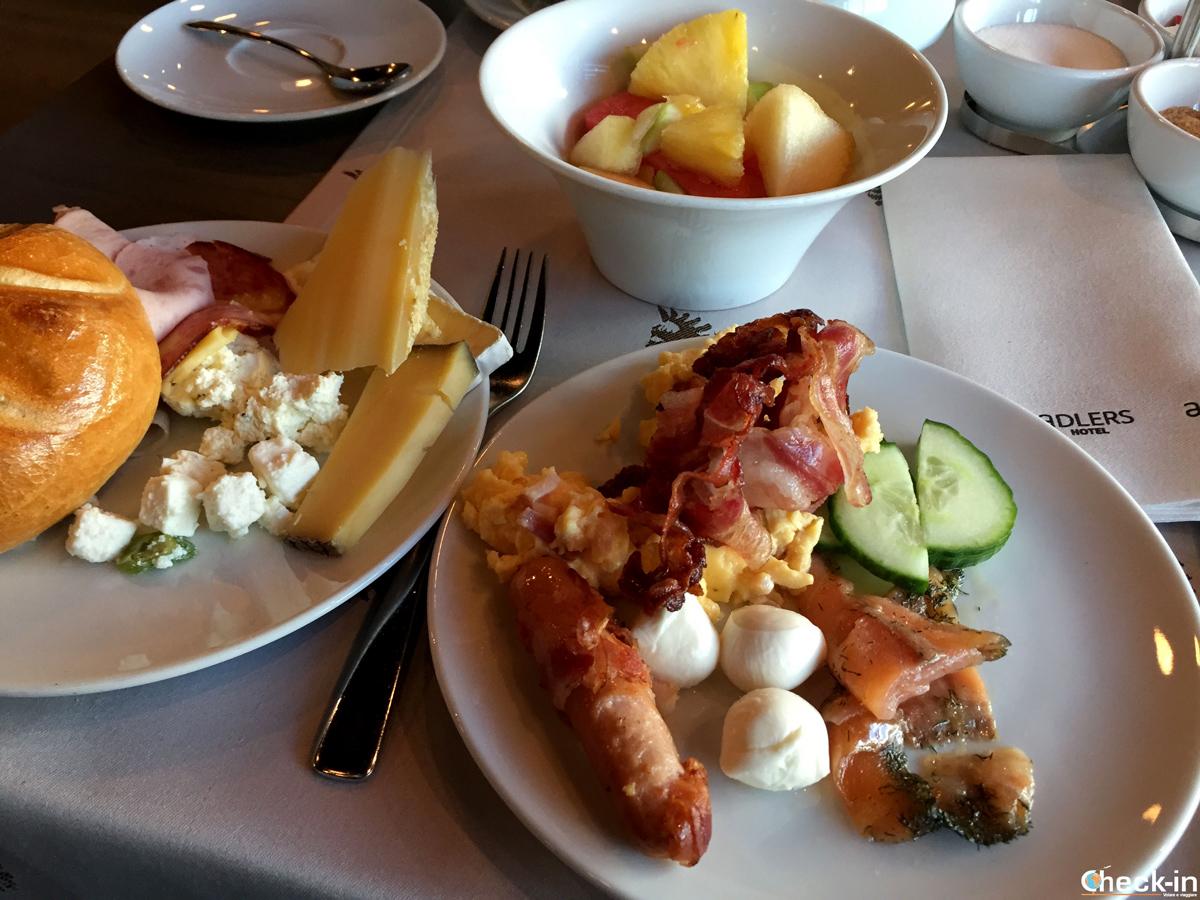 Colazione a buffet all'aDLERS Hotel di Innsbruck (Austria)
