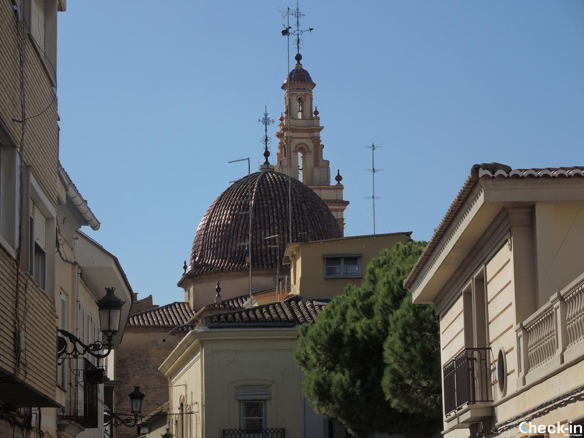 Vistazo de la Iglesia Parroquial de San Juan Bautista de Manises - Valencia, España