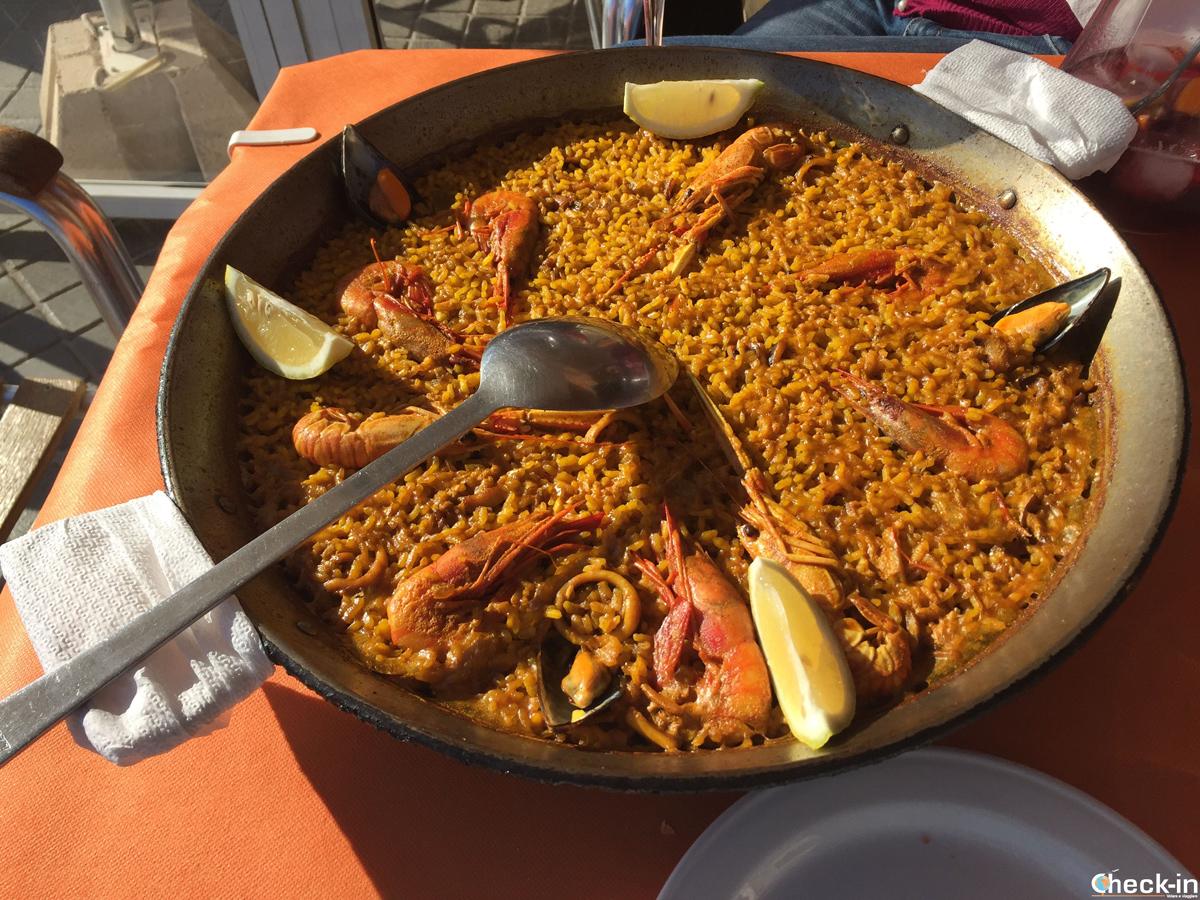 """Comida típica al Restaurante """"Raco de los Eres"""" a El Palmar (Valencia)"""