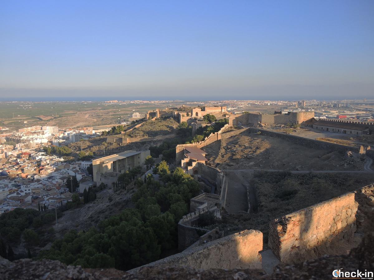 Vistazo de Sagunto desde la cima del Castillo