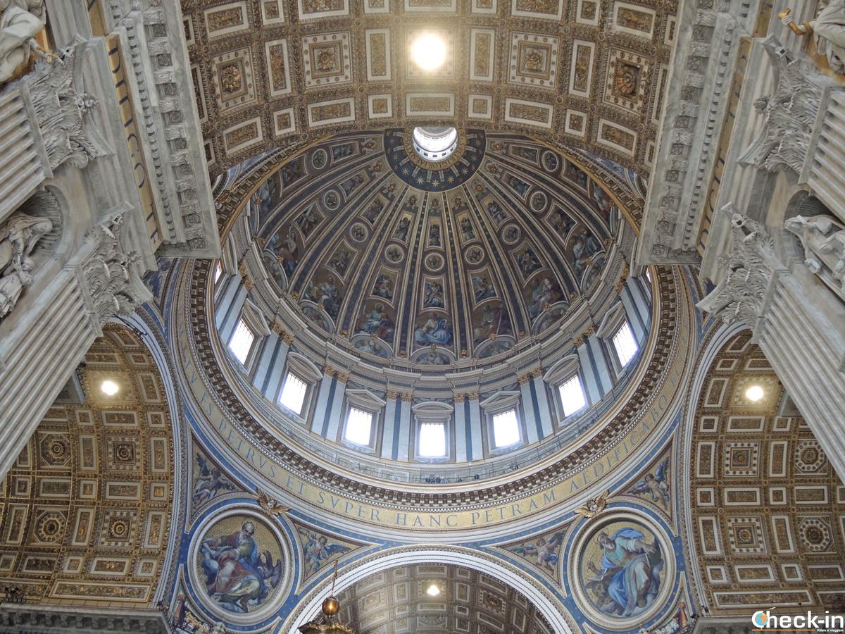 La cupola di Michelangelo della Basilica di San Pietro - Vaticano (Roma)