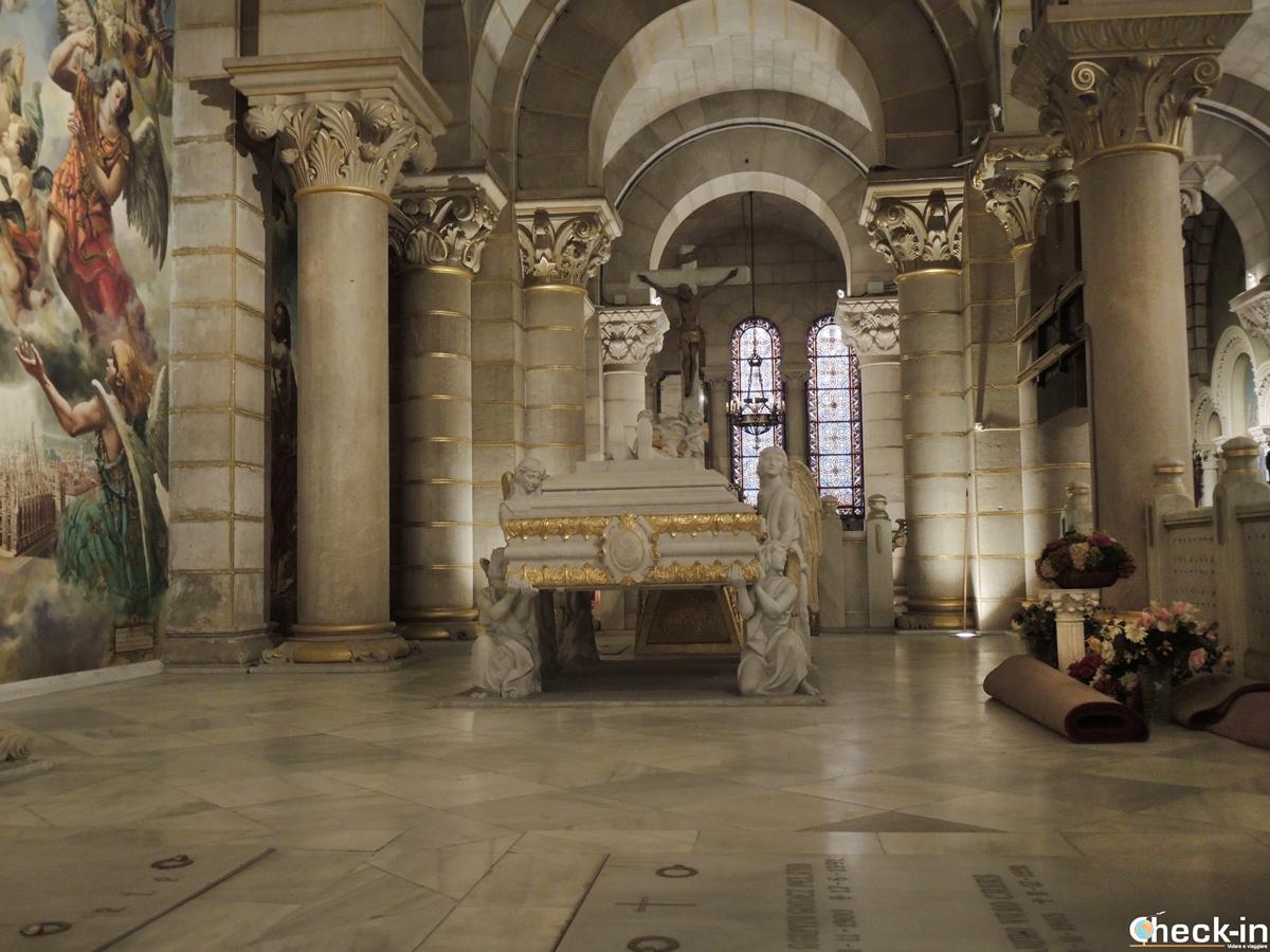 La cripta della Cattedrale dell'Almudena di Madrid