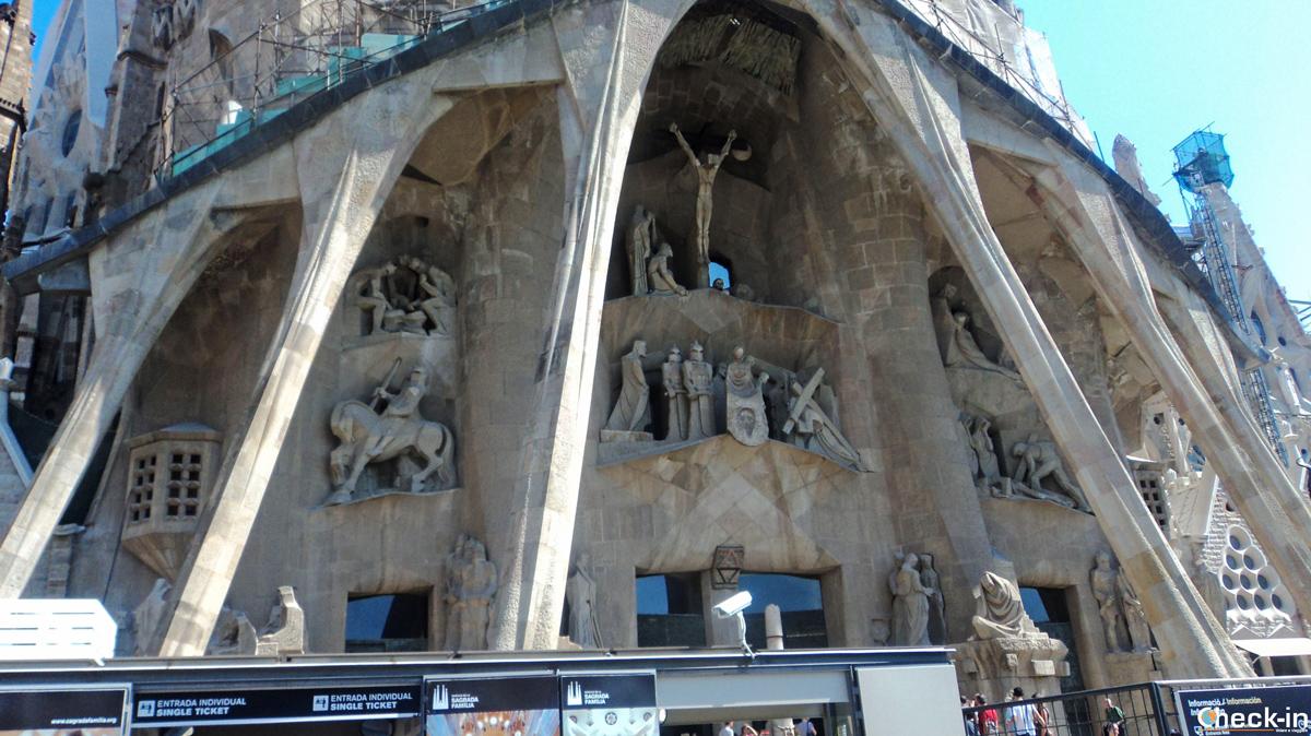 """La facciata della Sagrada Familia di Barcellona - Location del romanzo di Dan Brown """"Origin"""""""