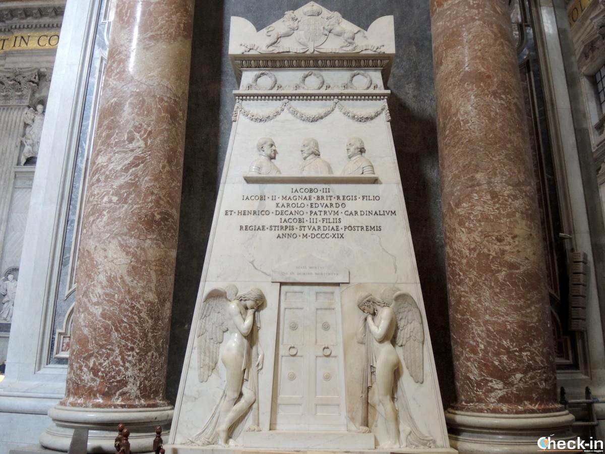 Il Sepolcro degli Stuart, opera di Canova conservata nella Basilica di S. Pietro a Roma