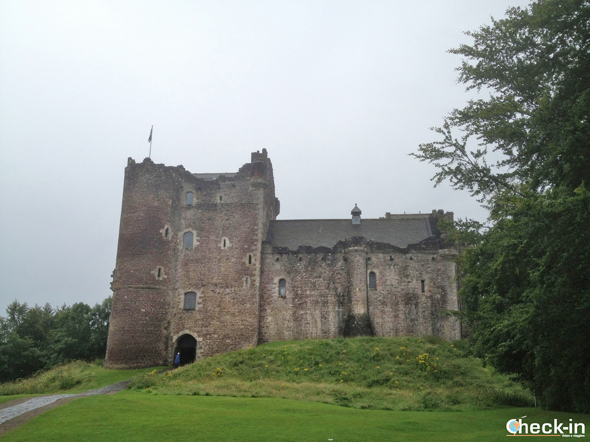 Doune Castle, alias Castle Leoch in Outlander tv series Season 1
