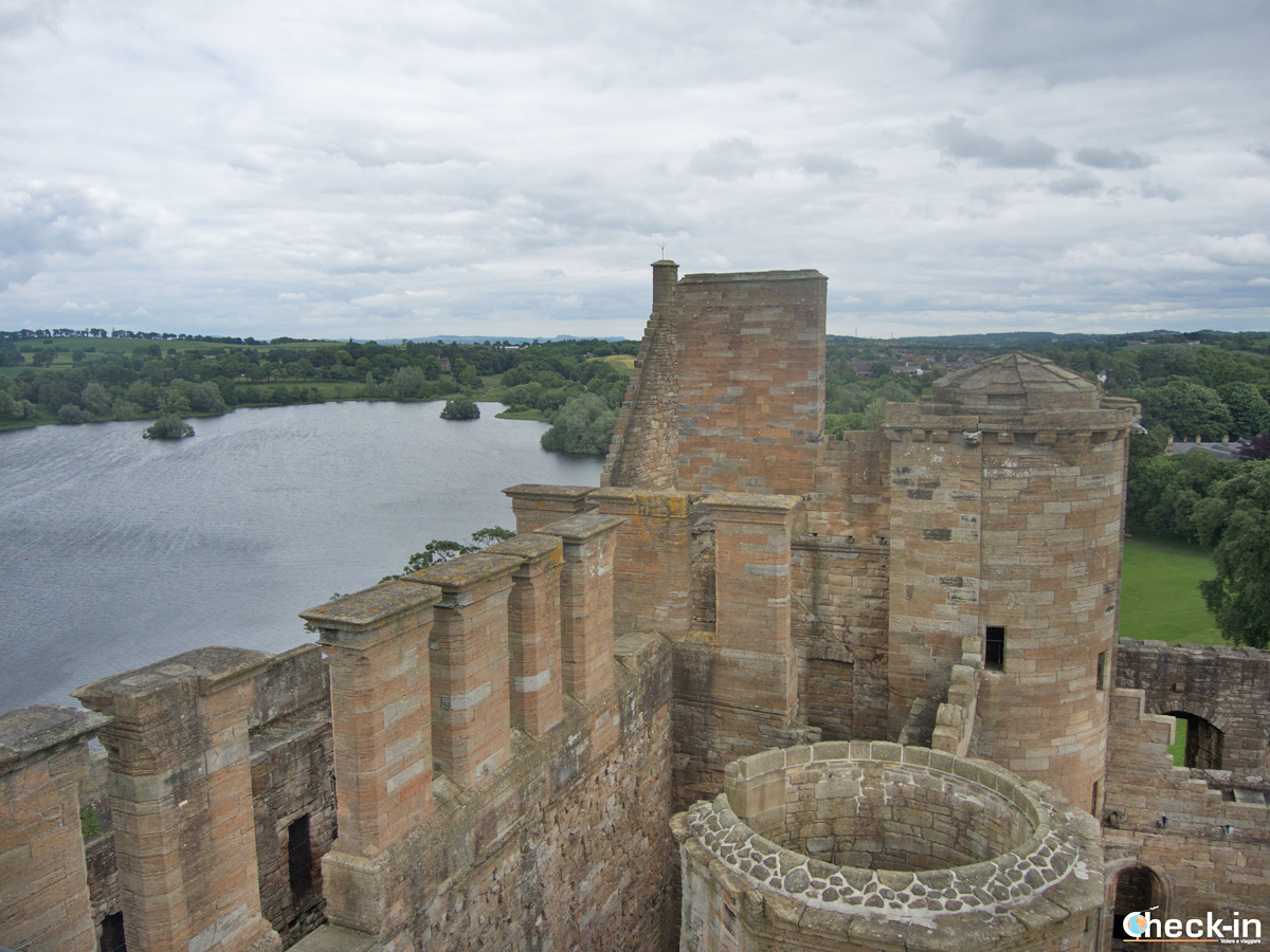 "Visit of Linlithgow Palace, the ""Wentworth Prison"" in Outlander Season 1"
