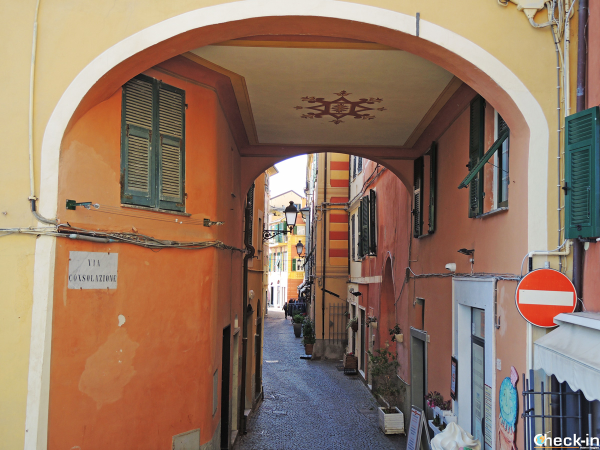 Via Consolazione a Celle Ligure - Provincia di Savona (Liguria)