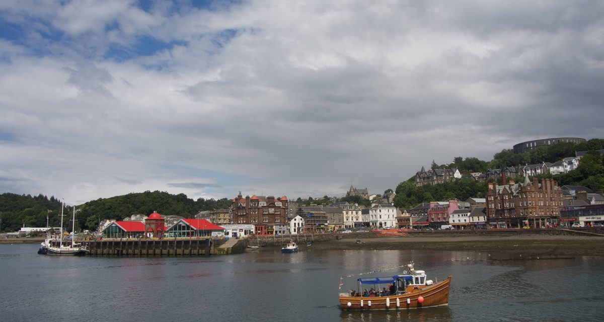 Visit Oban, the 8 things to do & see in the Scotland seafood