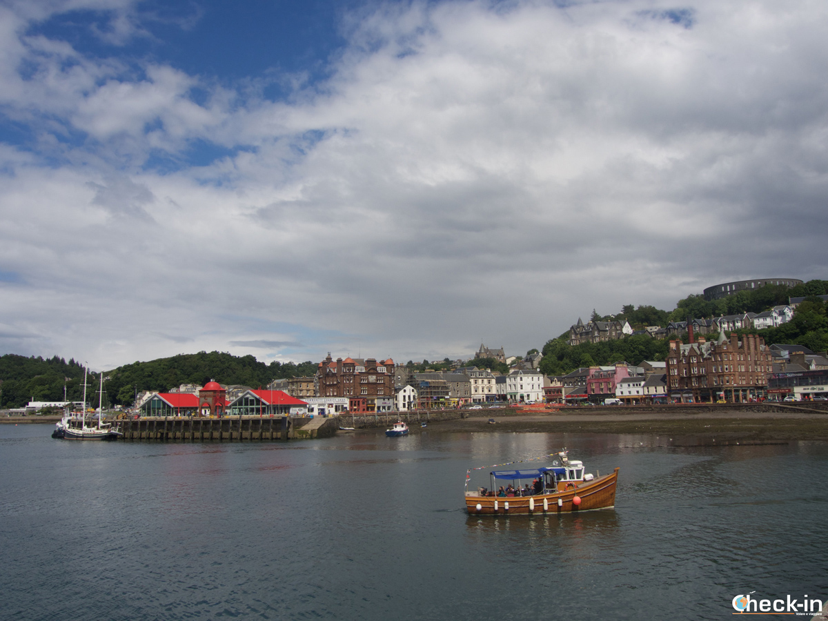 Sight of Oban Bay (Scotland)