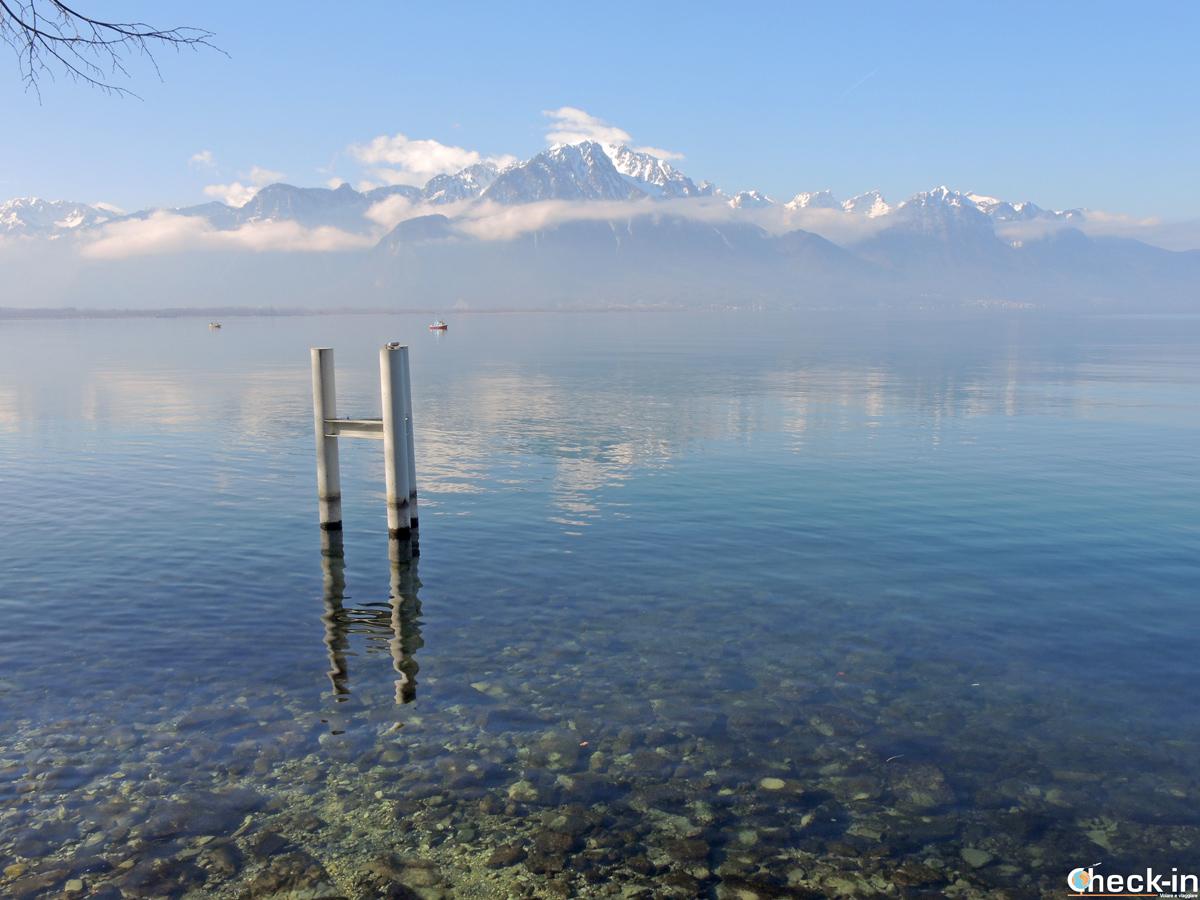 Il lago di Ginevra ammirato da Territet, villaggio alle porte di Montreux