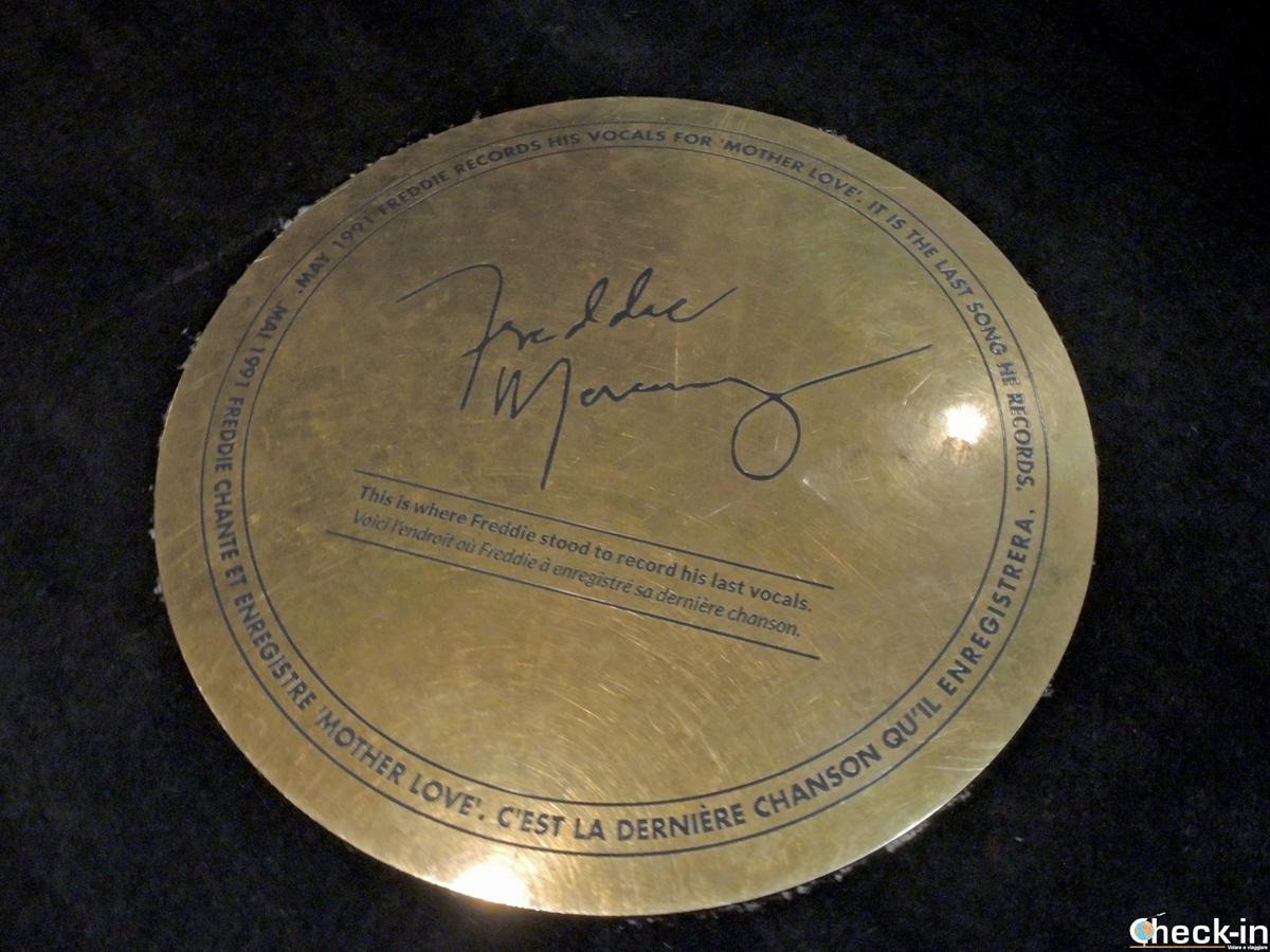 Placca nei Mountain Studios di Montreux che ricorda dove Freddie Mercury incise l'ultima volta