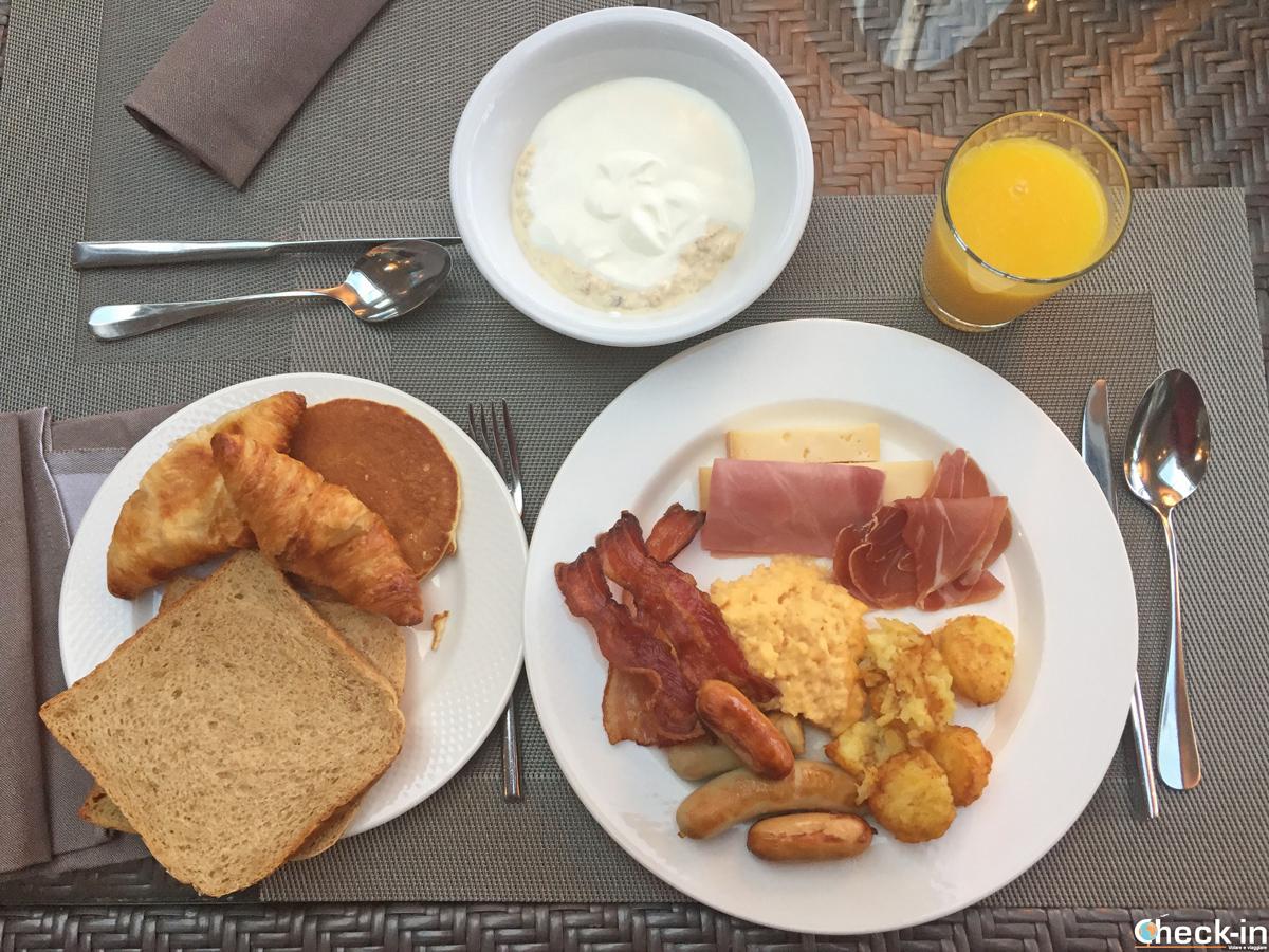 Colazione a buffet al Grand Hotel Suisse Majestic di Montreux
