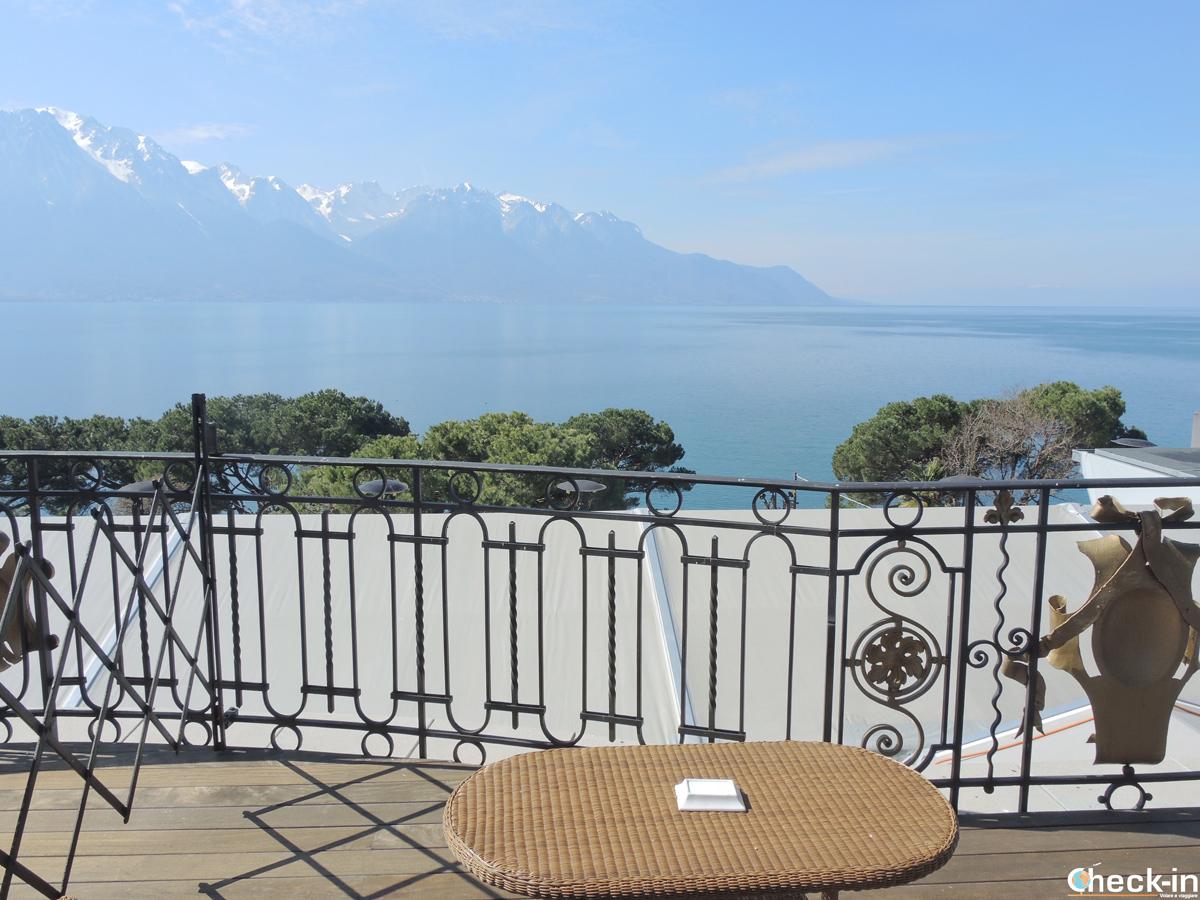 Vista sul lago di Ginevra dalla camera del Grand Hotel Suisse Majestic a Montreux