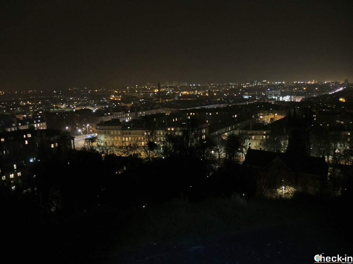 Edimburgo by night ammirata dalla collina di Calton Hill