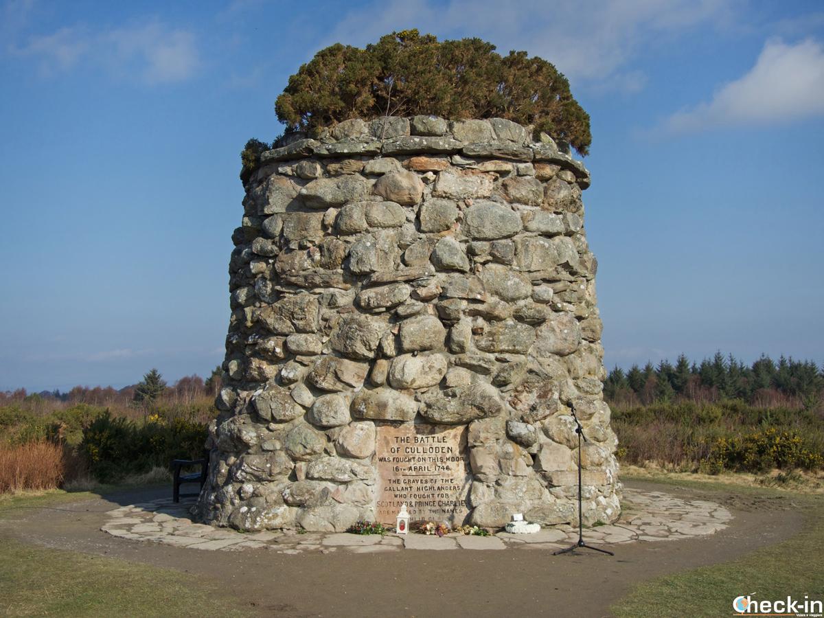 Il Memorial Cairn a Culloden in onore dei giacobiti morti in battaglia