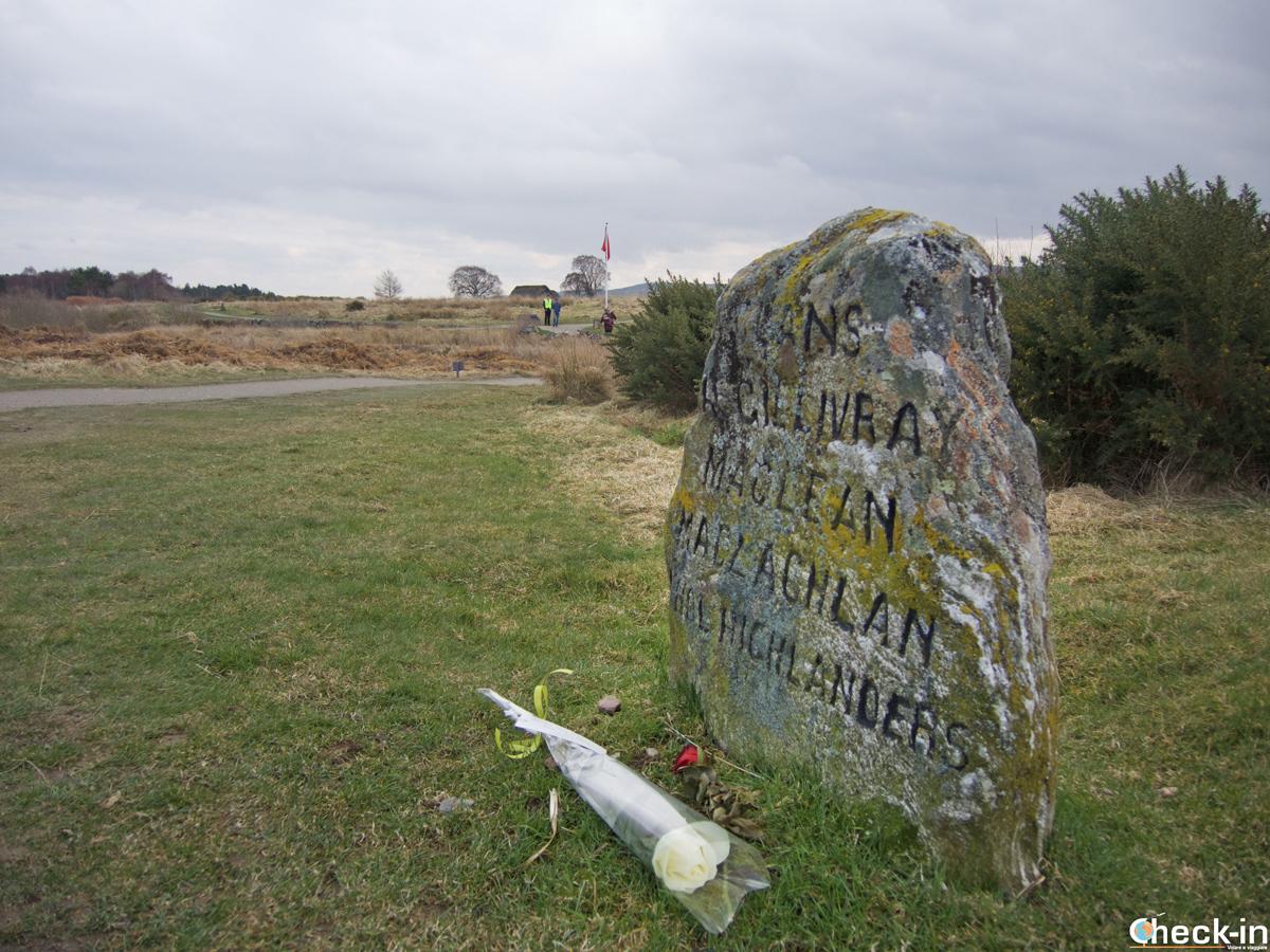 """Una delle """"tombe"""" dei clan che combatterono la battaglia di Culloden il 17 aprile 1746"""