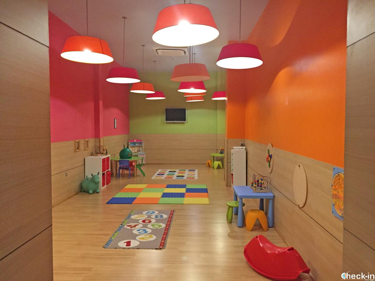 Area giochi per bambini all'Hotel Puerta de Bilbao di Baracaldo