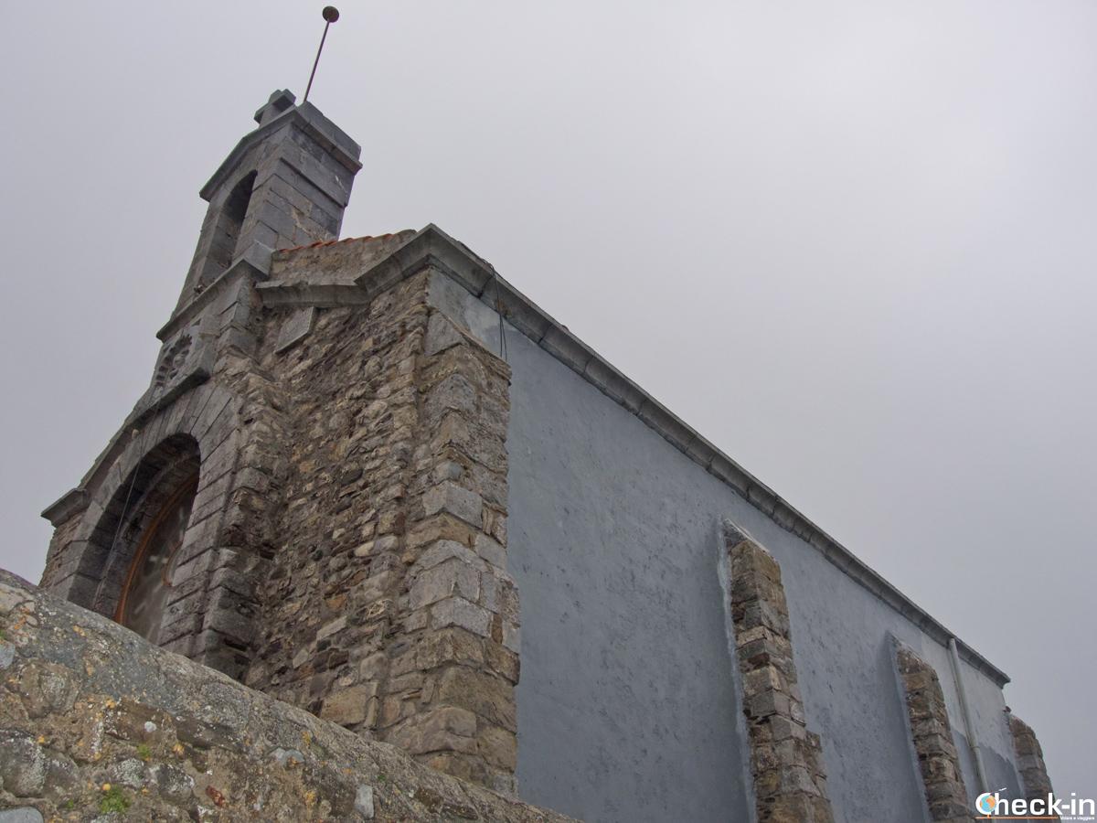 L'eremo dedicato a S. Giovanni Battista a Gaztelugatxe (Spagna)
