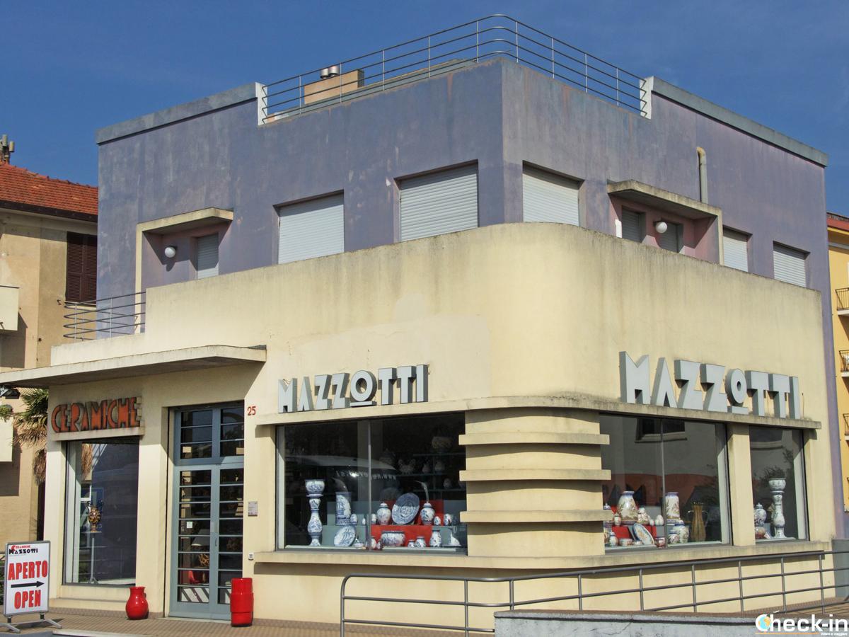 Casa Mazzotti e la fabbrica-museo di ceramiche di Albisola Superiore (Liguria)